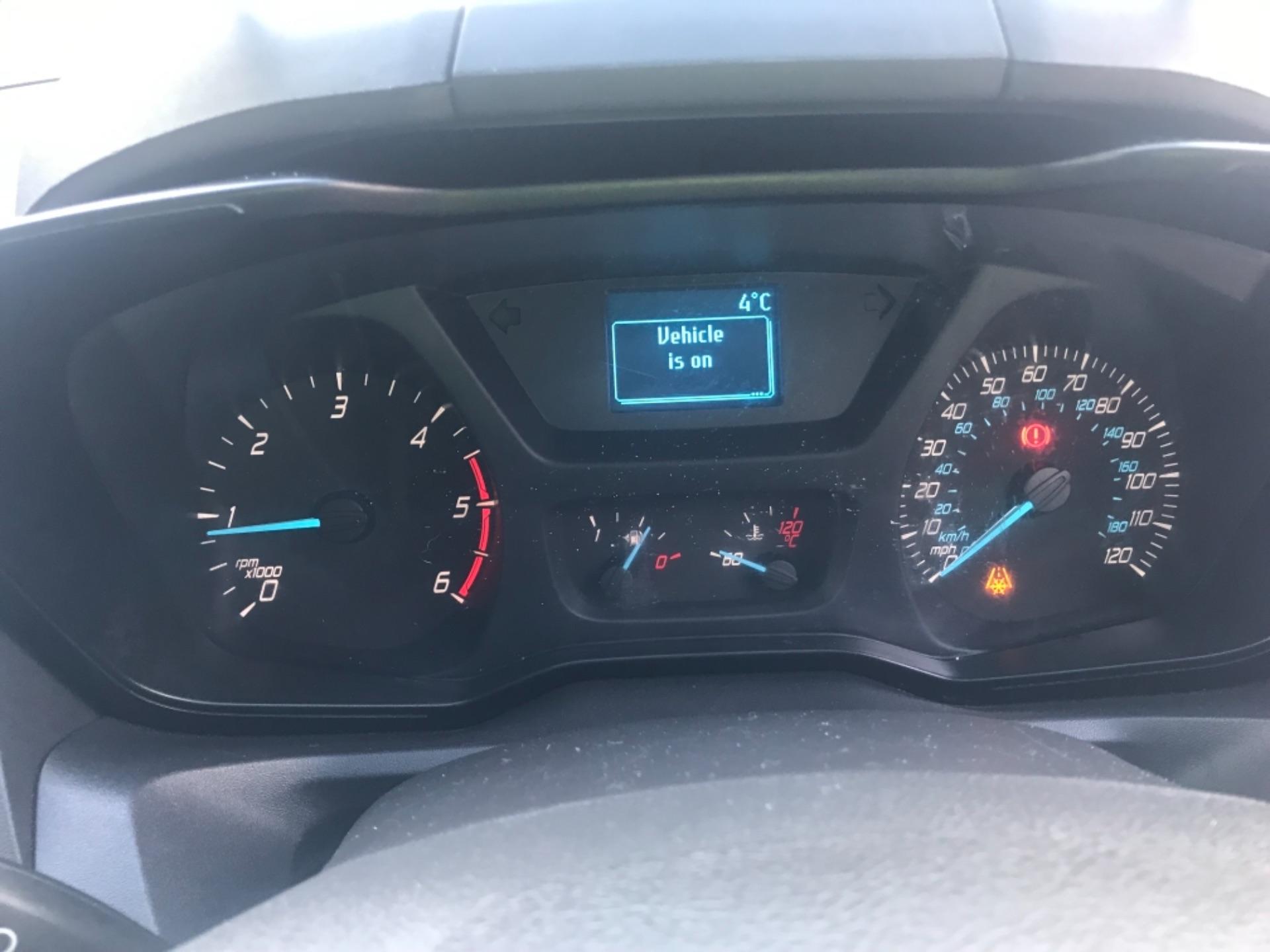 2017 Ford Transit Custom  290 L1 DIESEL FWD 2.0 TDCI 105PS LOW ROOF VAN EURO 6 (FP17VAX) Image 12
