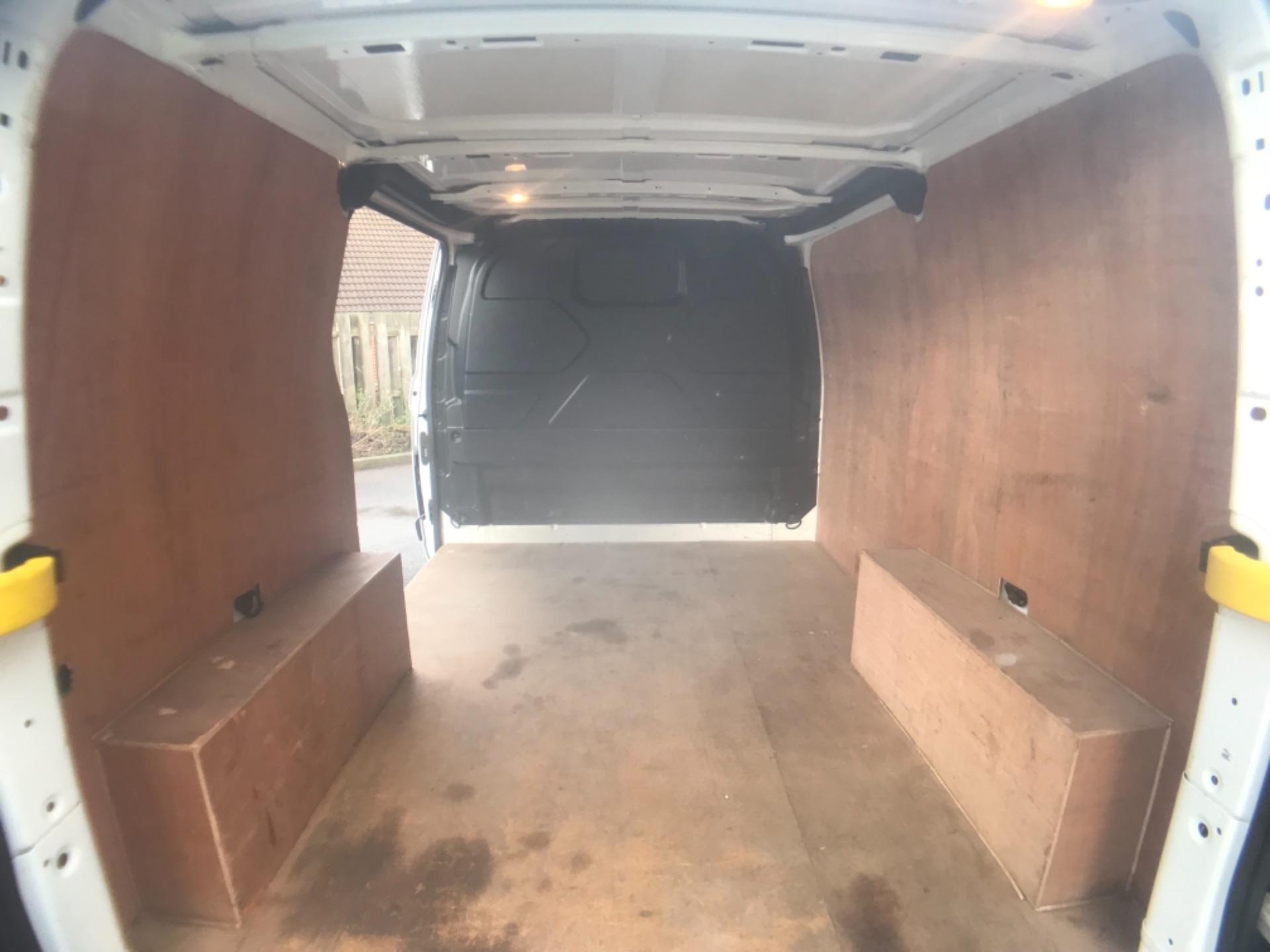 2017 Ford Transit Custom  290 L1 DIESEL FWD 2.0 TDCI 105PS LOW ROOF VAN EURO 6 (FP17VAX) Image 24