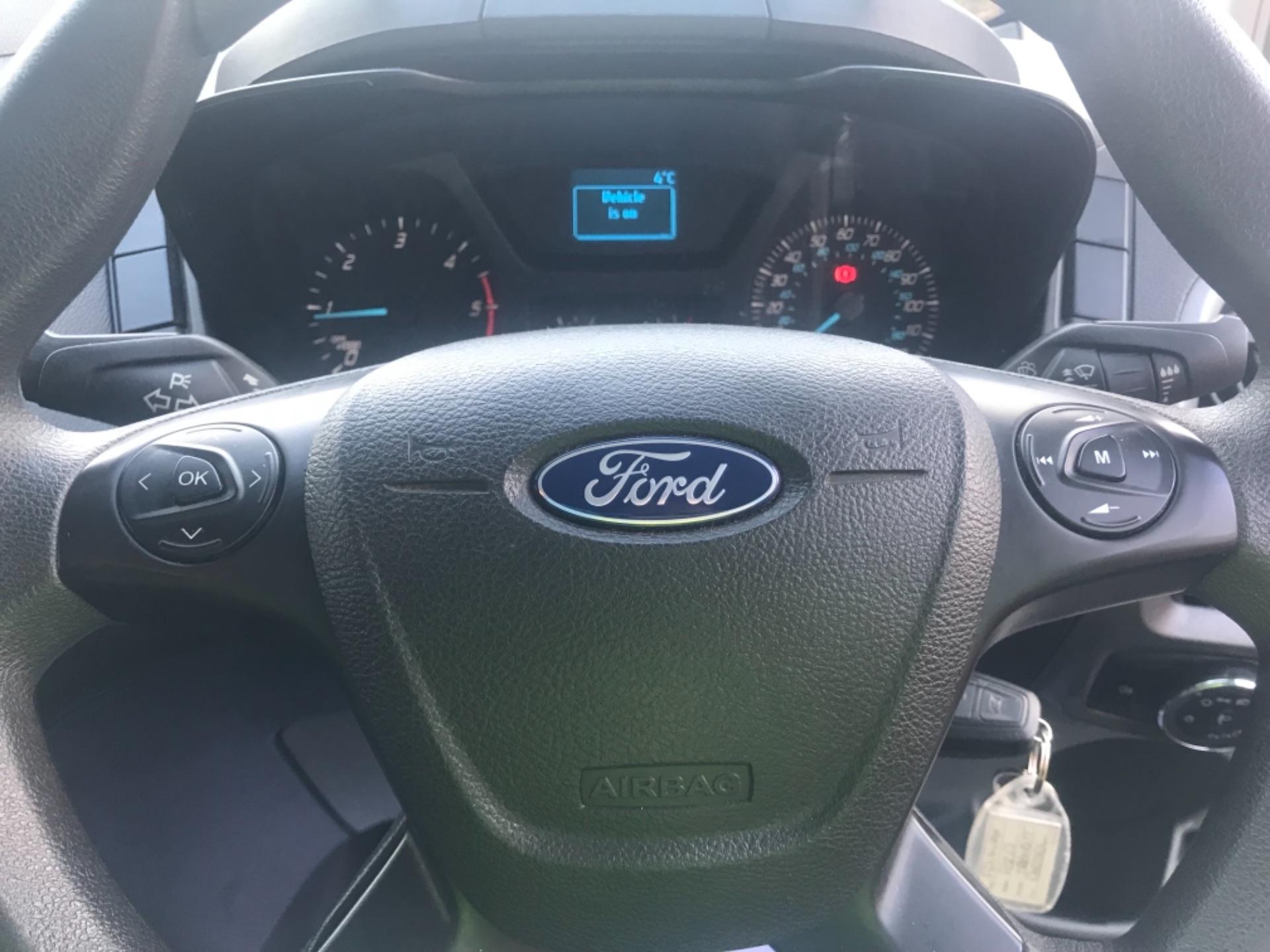 2017 Ford Transit Custom  290 L1 DIESEL FWD 2.0 TDCI 105PS LOW ROOF VAN EURO 6 (FP17VAX) Image 13