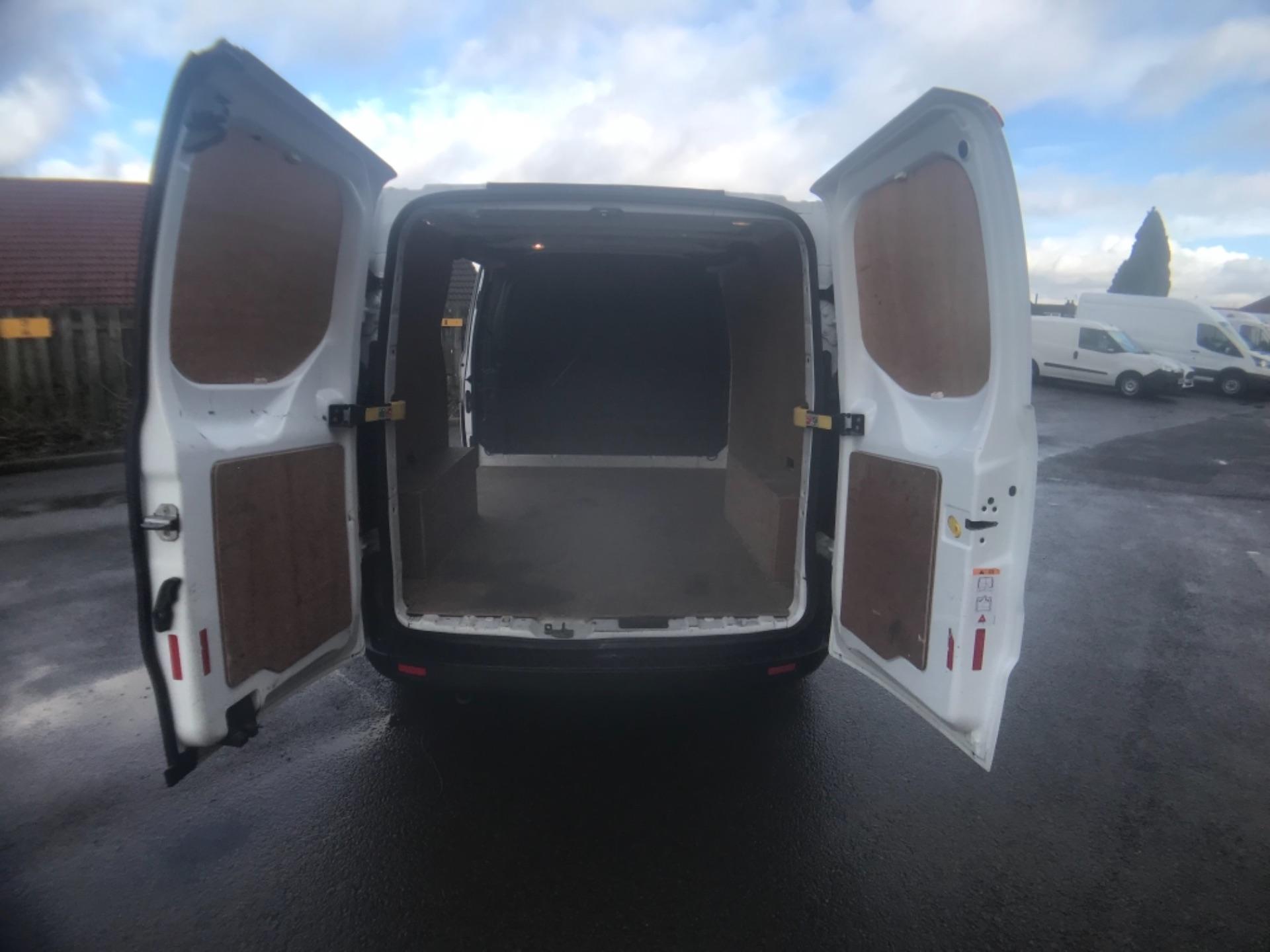 2017 Ford Transit Custom  290 L1 DIESEL FWD 2.0 TDCI 105PS LOW ROOF VAN EURO 6 (FP17VAX) Image 9