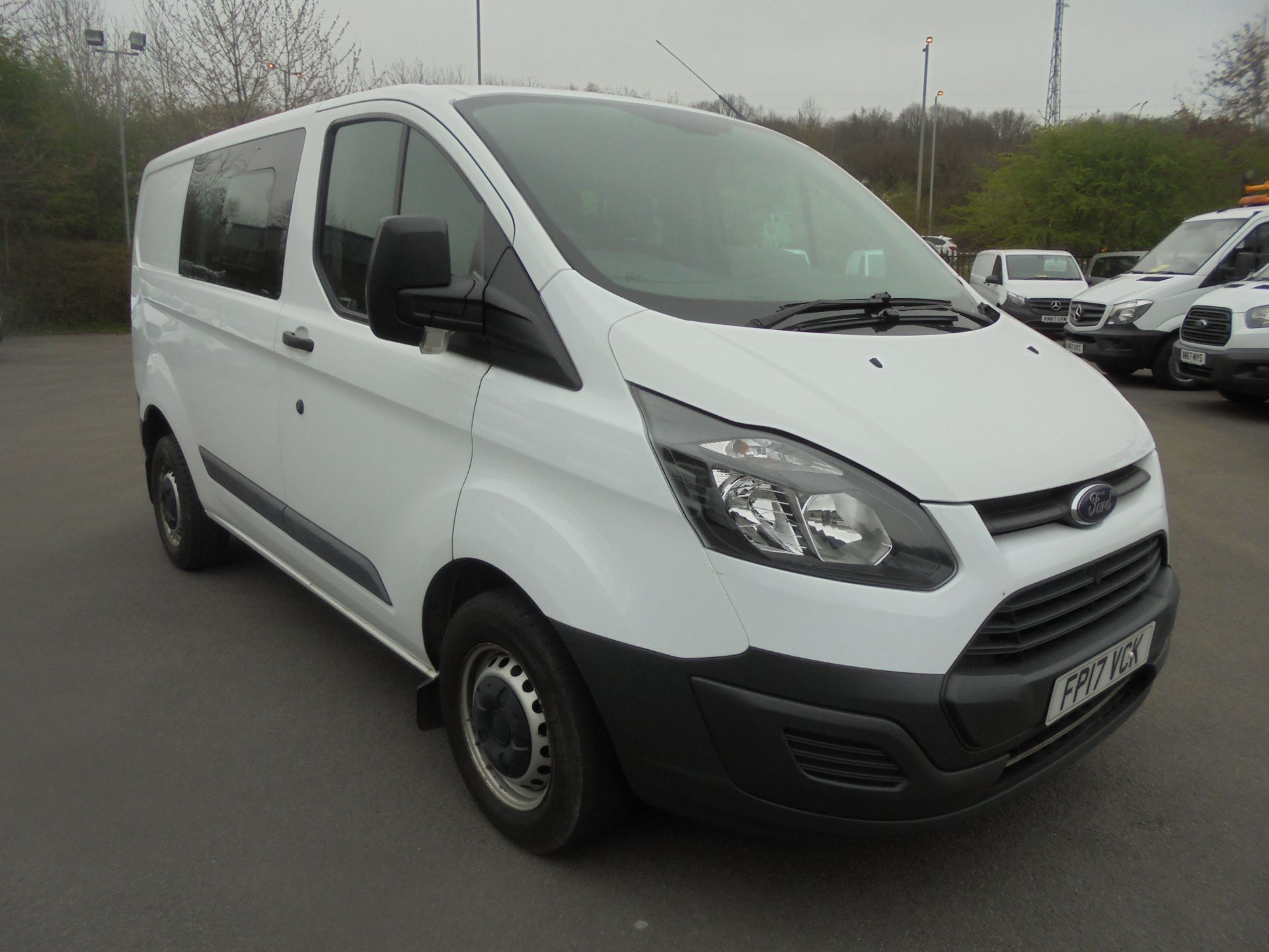 2017 Ford Transit Custom 2.0 Tdci 105Ps Low Roof D/Cab Van (FP17VCK)