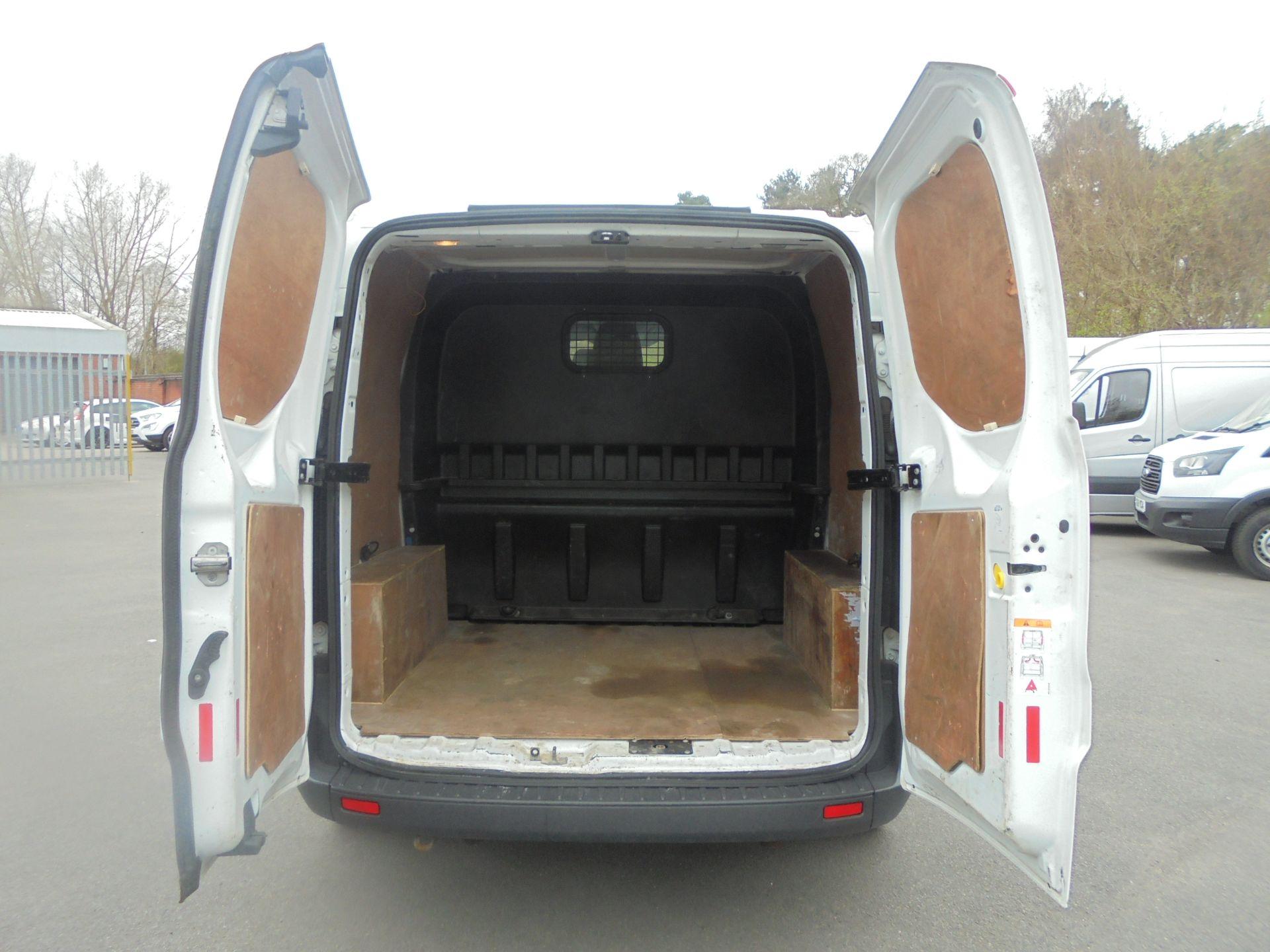 2017 Ford Transit Custom 2.0 Tdci 105Ps Low Roof D/Cab Van (FP17VCK) Image 9