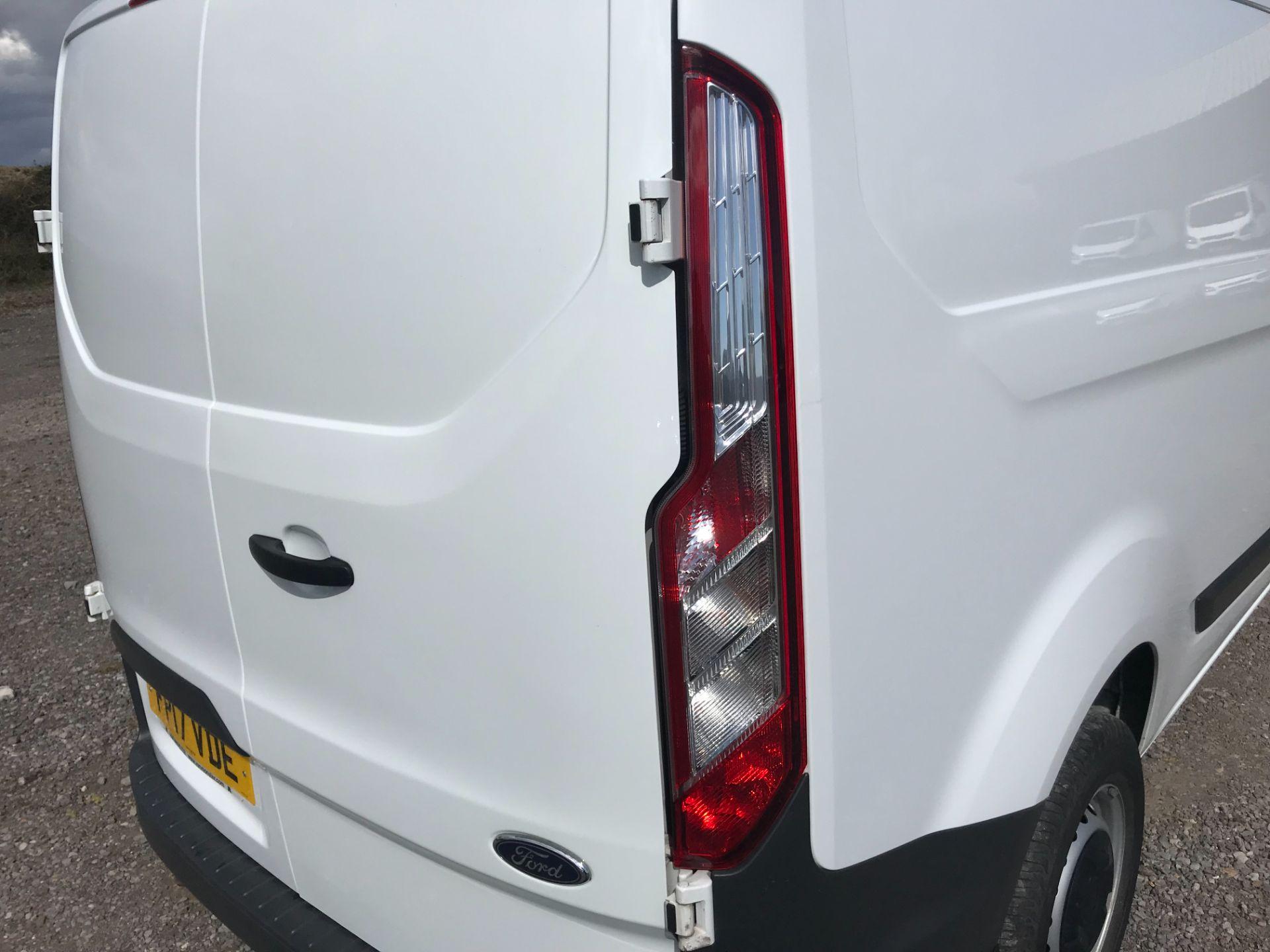 2017 Ford Transit Custom 2.0 Tdci 105Ps Low Roof Van (FP17VDE) Image 17