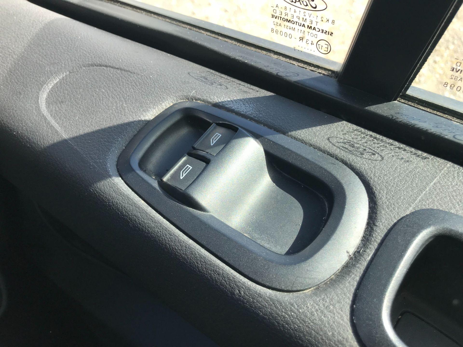 2017 Ford Transit Custom 2.0 Tdci 105Ps Low Roof Van (FP17VDE) Image 35