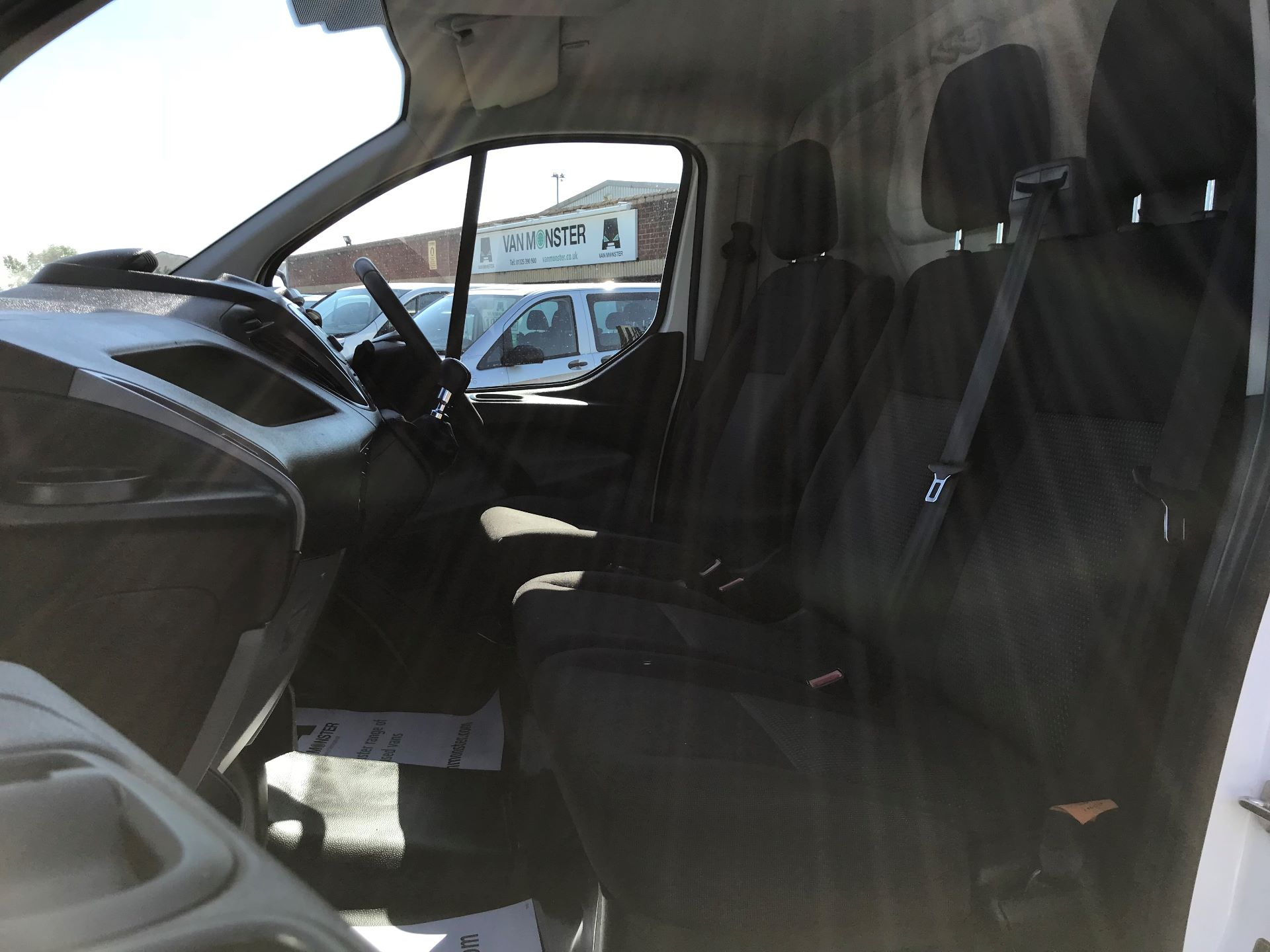 2017 Ford Transit Custom 2.0 Tdci 105Ps Low Roof Van (FP17VEK) Image 16