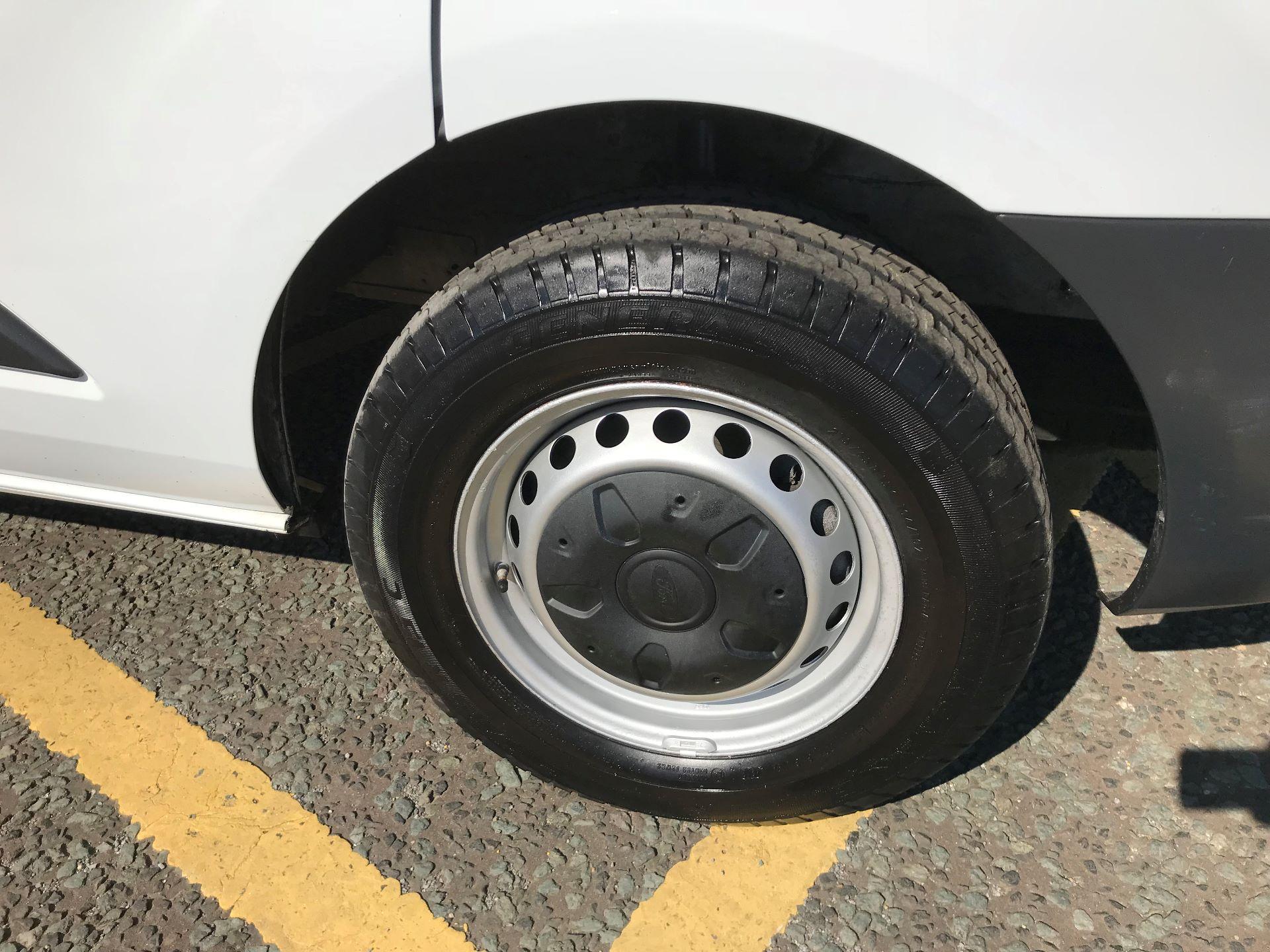 2017 Ford Transit Custom 2.0 Tdci 105Ps Low Roof Van (FP17VEK) Image 9