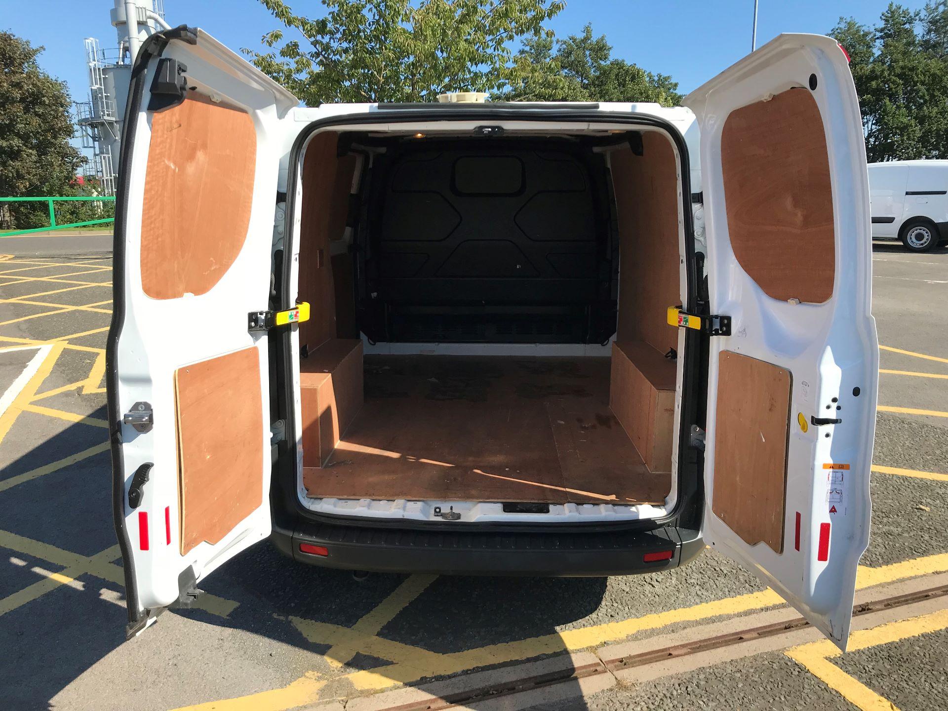 2017 Ford Transit Custom 2.0 Tdci 105Ps Low Roof Van (FP17VEK) Image 18