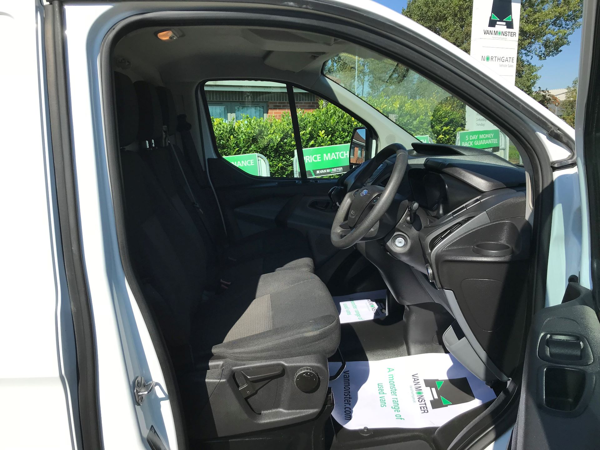 2017 Ford Transit Custom 2.0 Tdci 105Ps Low Roof Van (FP17VEK) Image 12