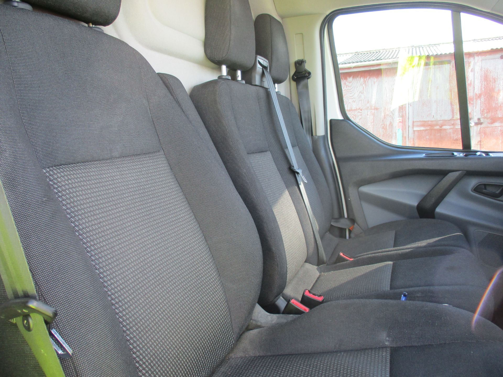 2017 Ford Transit Custom 290 L1 DIESEL FWD 2.0 TDCI 105PS LOW ROOF VAN EURO 6 (FP17VGJ) Image 12