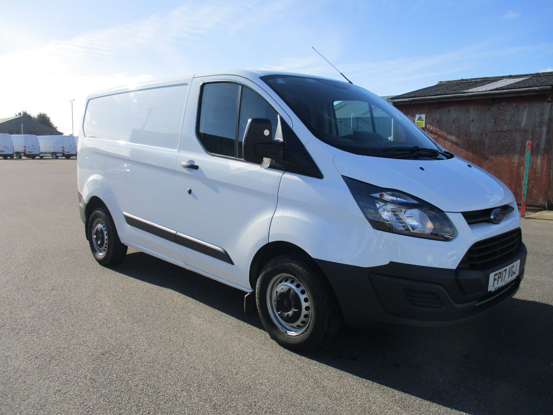 2017 Ford Transit Custom 290 L1 DIESEL FWD 2.0 TDCI 105PS LOW ROOF VAN EURO 6 (FP17VGJ)