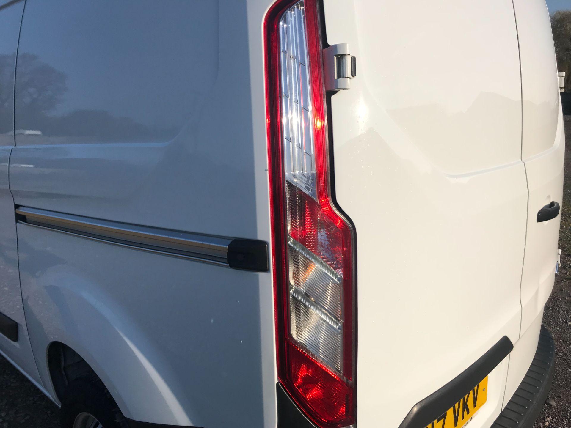 2017 Ford Transit Custom  290 L1 DIESEL FWD 2.0 TDCI 105PS LOW ROOF VAN EURO 6 (FP17VKV) Image 41