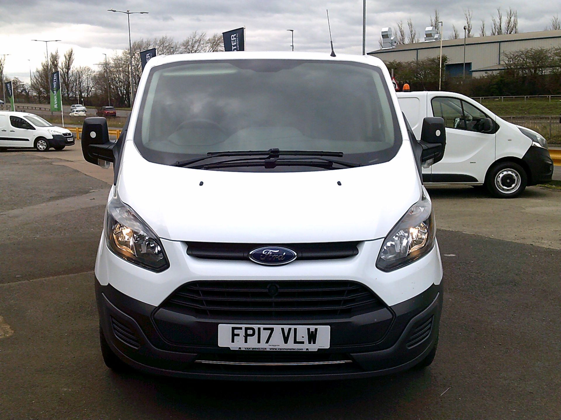 2017 Ford Transit Custom 2.0 Tdci 105Ps Low Roof Van *SPEED RESTRICTED TO 70 MPH* (FP17VLW) Image 2