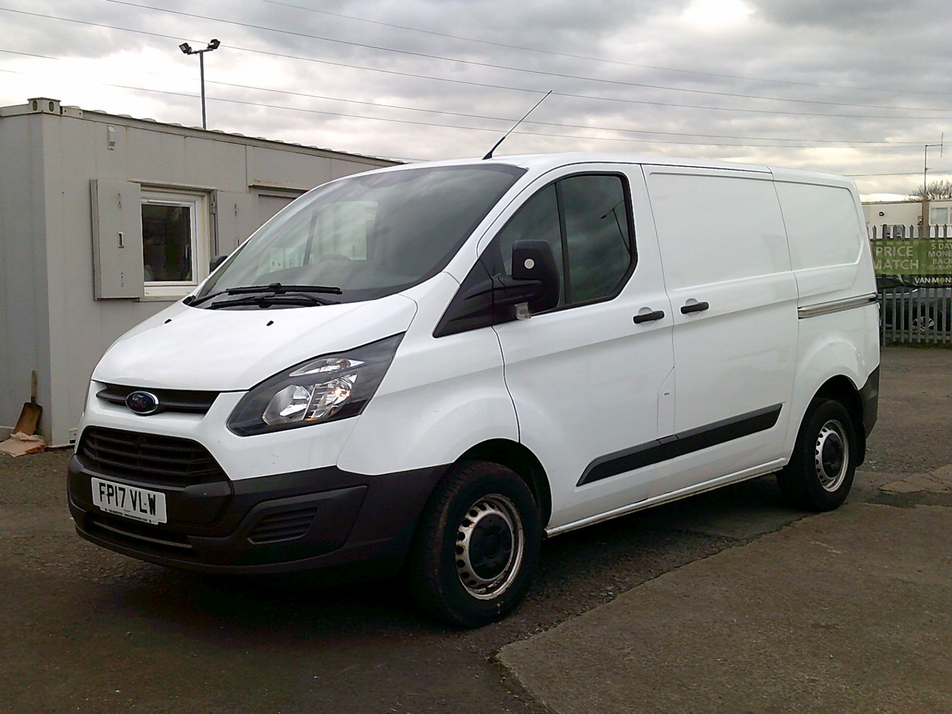 2017 Ford Transit Custom 2.0 Tdci 105Ps Low Roof Van *SPEED RESTRICTED TO 70 MPH* (FP17VLW) Image 3