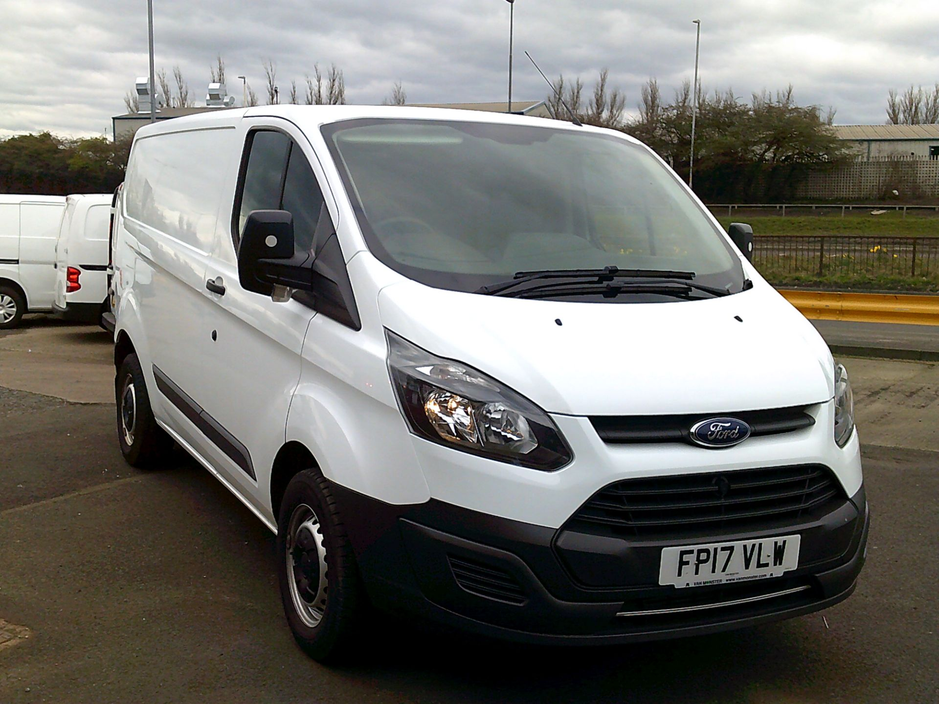 2017 Ford Transit Custom 2.0 Tdci 105Ps Low Roof Van *SPEED RESTRICTED TO 70 MPH* (FP17VLW) Image 1