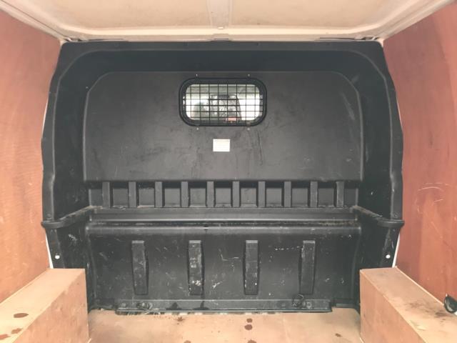2017 Ford Transit Custom  290 L1 DIESEL FWD 2.0 TDCI 105PS LOW ROOF D/CAB VAN EURO 6 (FP17VNZ) Image 32