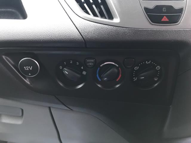 2017 Ford Transit Custom  290 L1 DIESEL FWD 2.0 TDCI 105PS LOW ROOF D/CAB VAN EURO 6 (FP17VNZ) Image 22