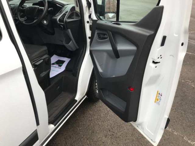 2017 Ford Transit Custom  290 L1 DIESEL FWD 2.0 TDCI 105PS LOW ROOF D/CAB VAN EURO 6 (FP17VNZ) Image 13