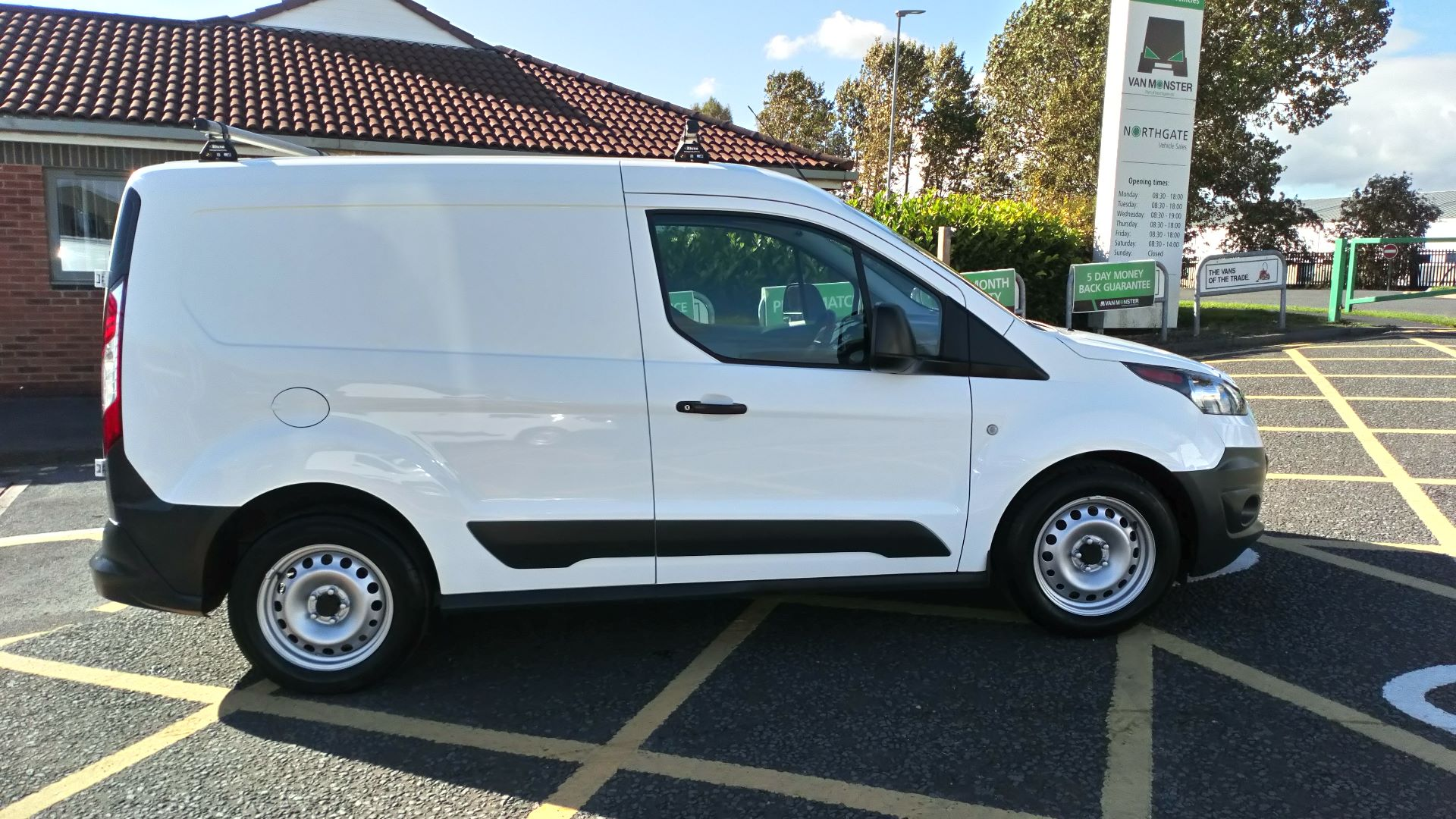 2017 Ford Transit Connect 1.5 Tdci 75Ps Van (FP17VOV) Image 8