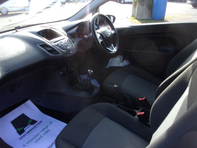 2017 Ford Fiesta 1.5 Tdci Van (FP17VPL) Image 14
