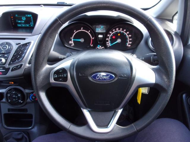 2017 Ford Fiesta 1.5 Tdci Van (FP17VPL) Image 5