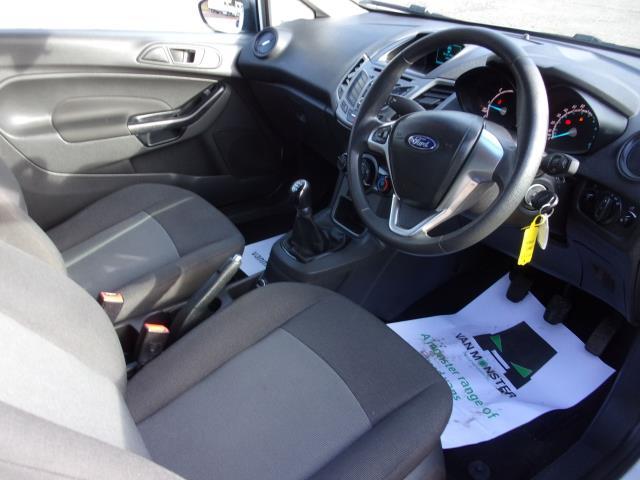2017 Ford Fiesta 1.5 Tdci Van (FP17VPL) Image 2