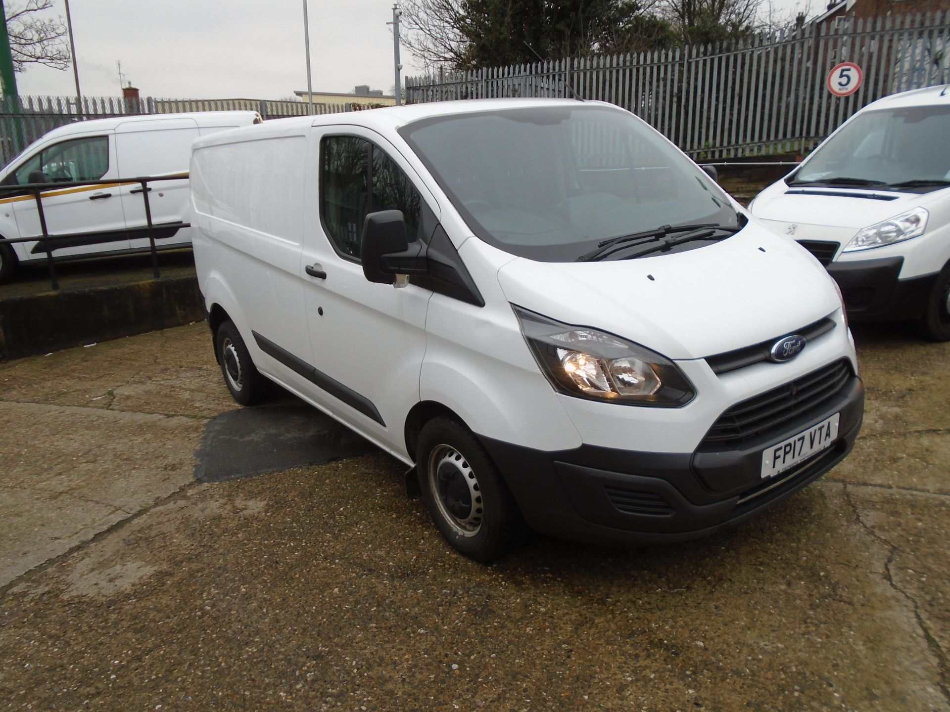2017 Ford Transit Custom 2.0 Tdci 105Ps Low Roof Van *EURO 6* (FP17VTA)