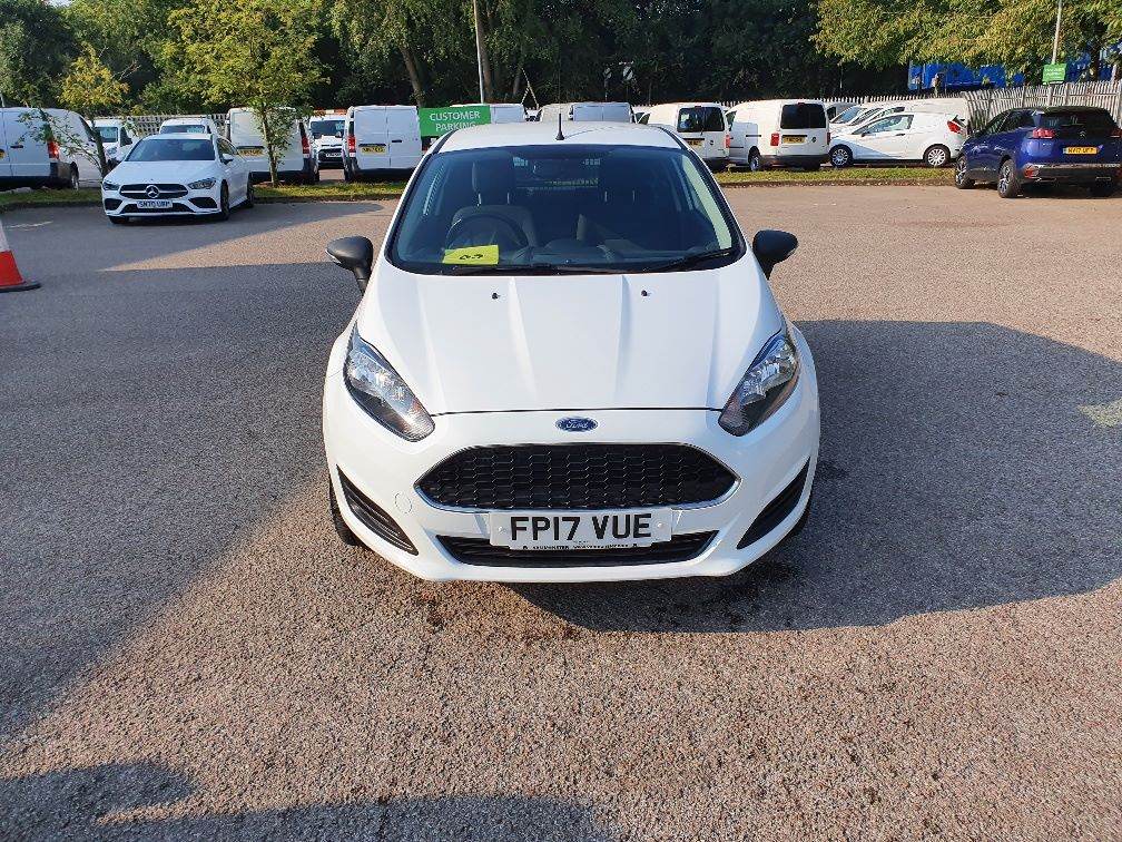 2017 Ford Fiesta BASE 1.5 75PS Tdci Van (FP17VUE) Thumbnail 2