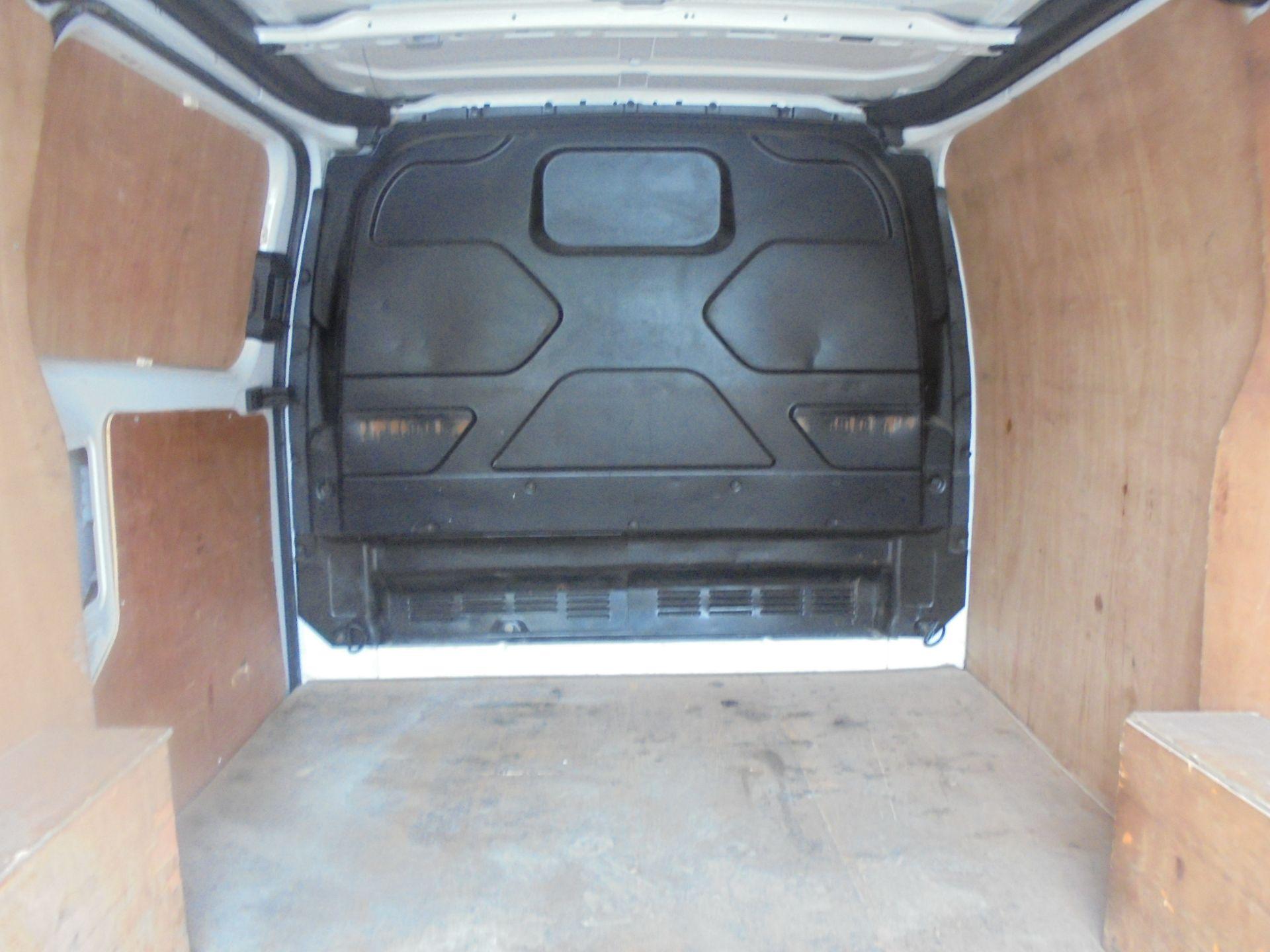 2017 Ford Transit Custom 2.0 Tdci 105Ps Low Roof Van (FP17VUH) Image 10