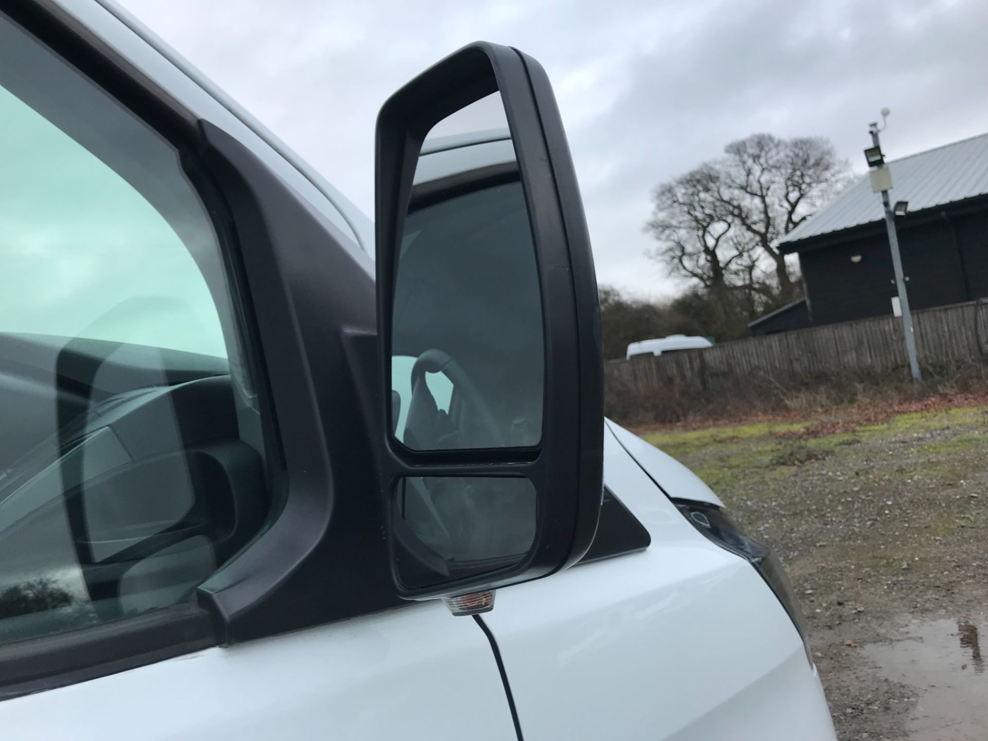 2018 Ford Transit Custom 2.0 Tdci 105Ps Low Roof Van Euro 6 (FP18AXJ) Image 30