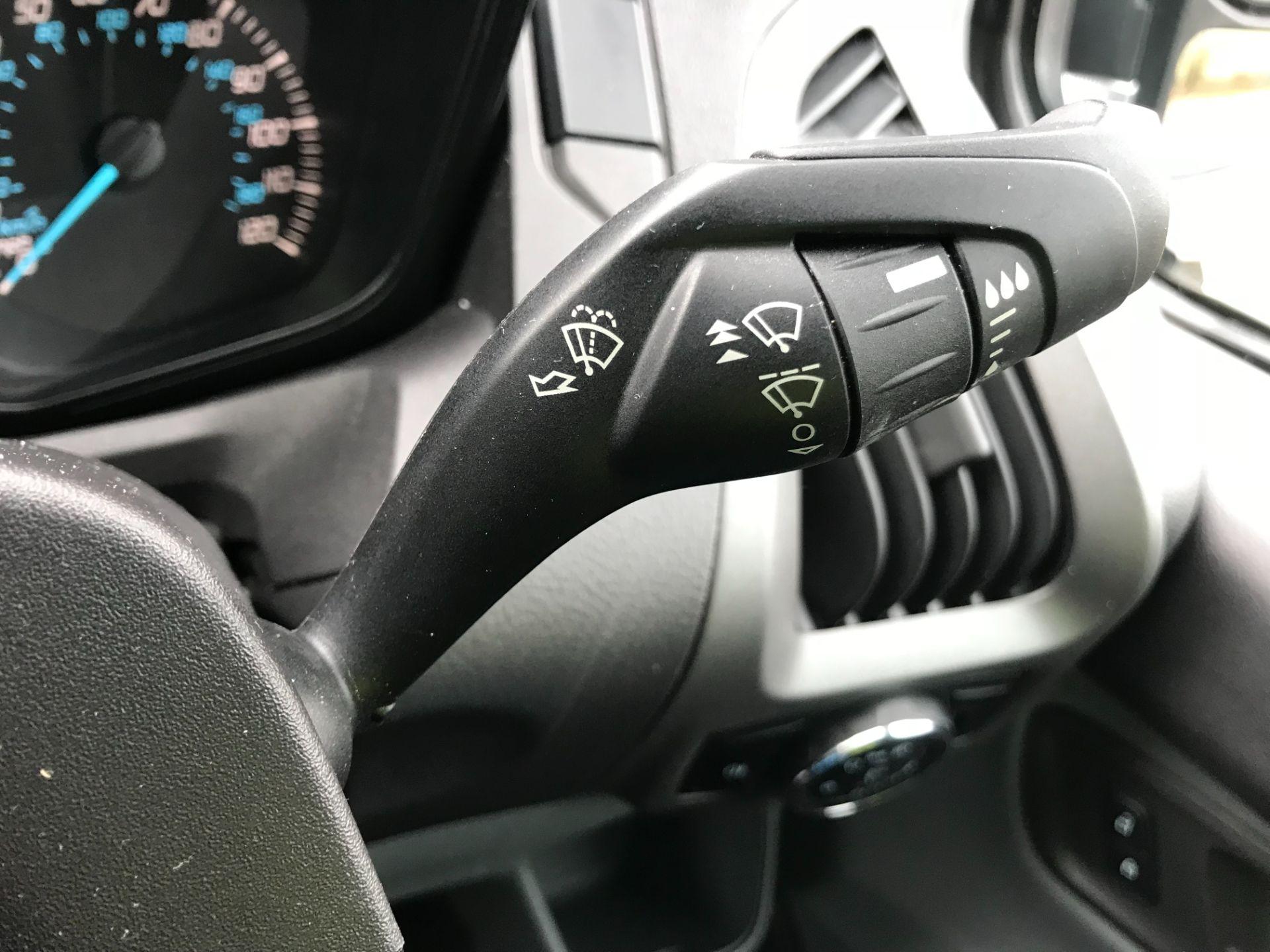 2018 Ford Transit Custom 2.0 Tdci 105Ps Low Roof Van Euro 6 (FP18AXJ) Image 29