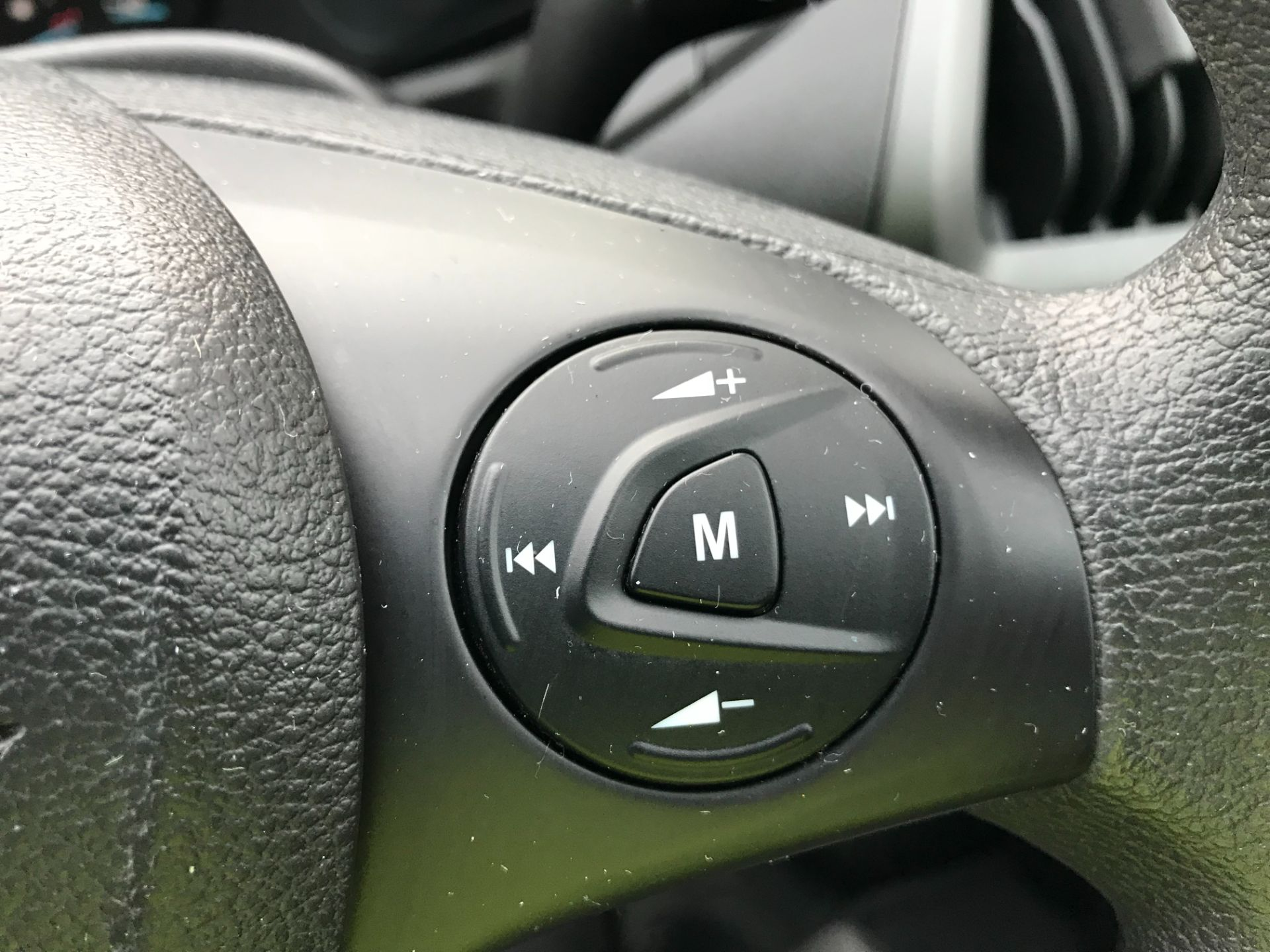 2018 Ford Transit Custom 2.0 Tdci 105Ps Low Roof Van Euro 6 (FP18AXJ) Image 25