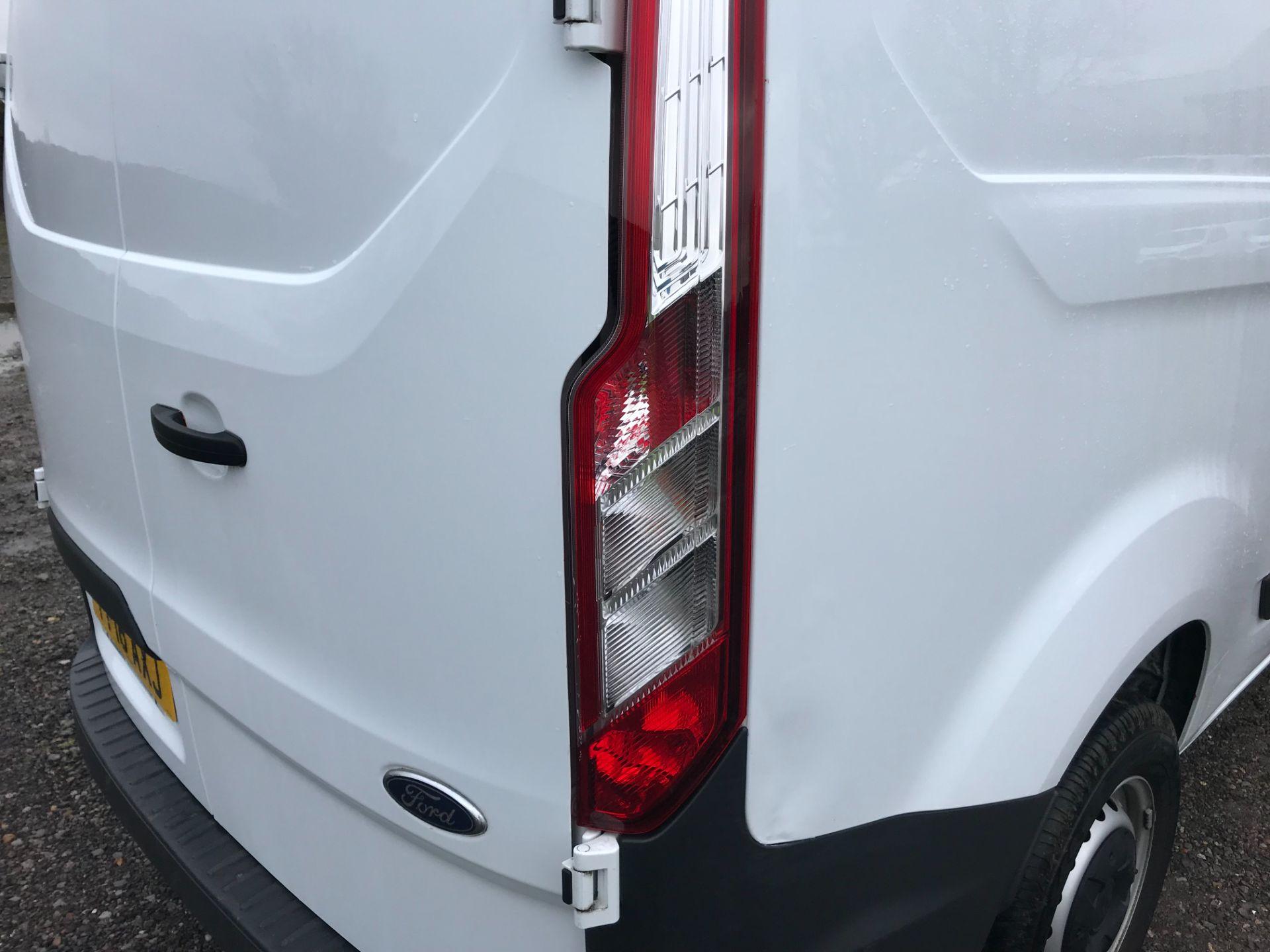 2018 Ford Transit Custom 2.0 Tdci 105Ps Low Roof Van Euro 6 (FP18AXJ) Image 40