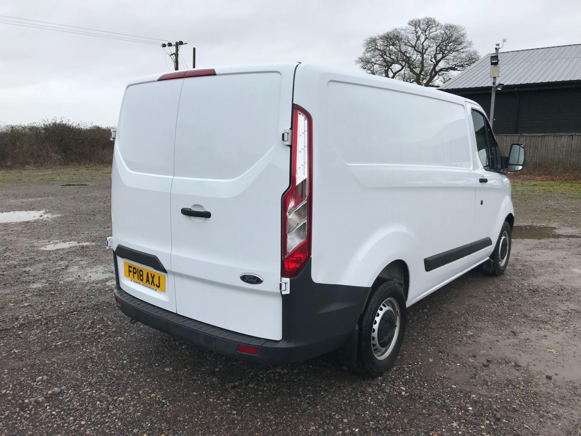 2018 Ford Transit Custom 2.0 Tdci 105Ps Low Roof Van Euro 6 (FP18AXJ) Image 4