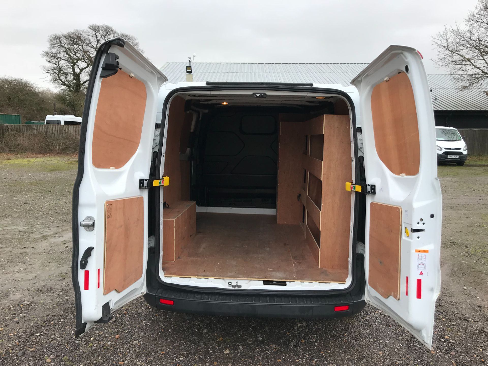 2018 Ford Transit Custom 2.0 Tdci 105Ps Low Roof Van Euro 6 (FP18AXJ) Image 11