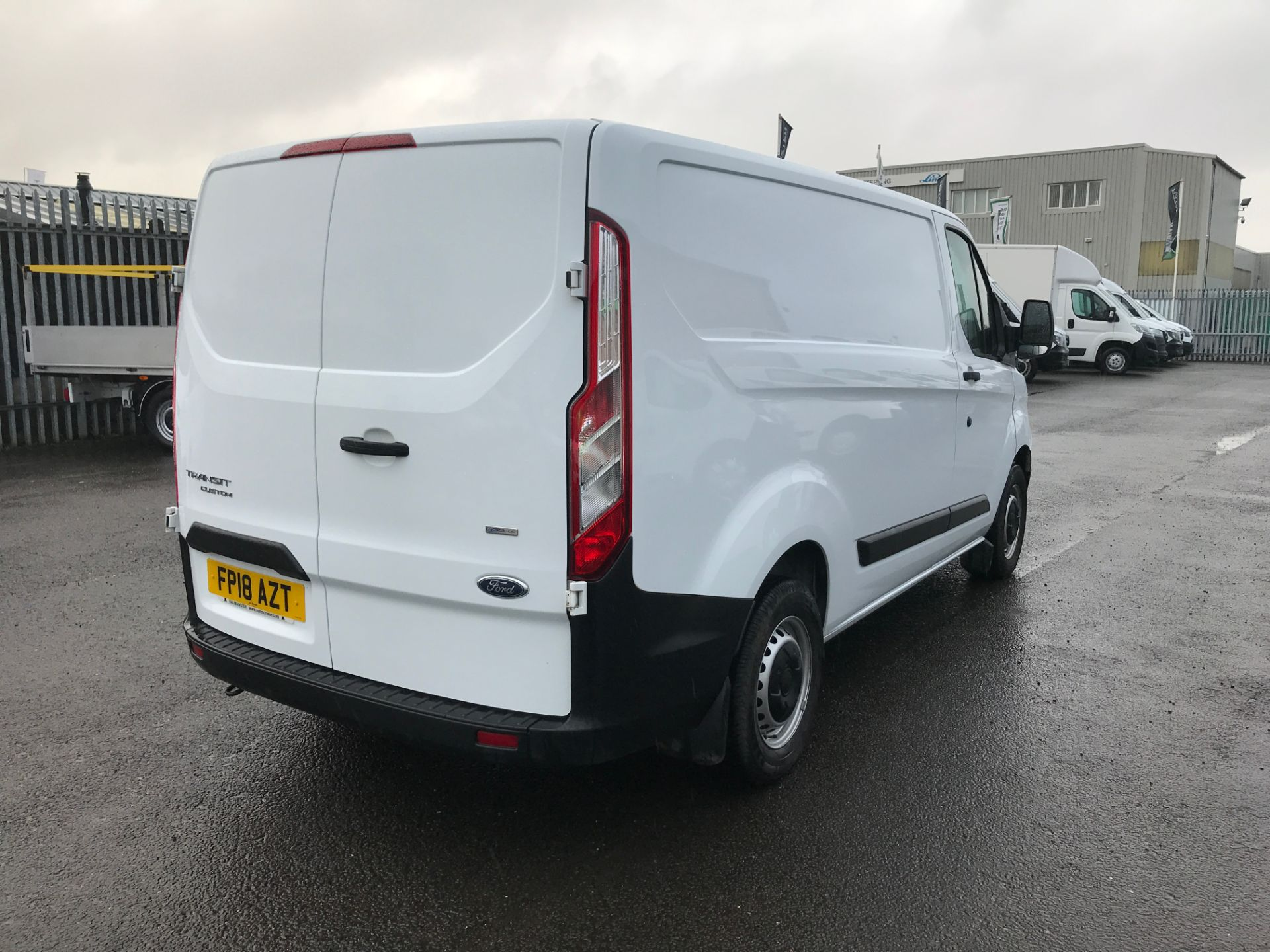 2018 Ford Transit Custom 300 L1 2.0TDCI 105PS LOW ROOF EURO 6 (FP18AZT) Image 5