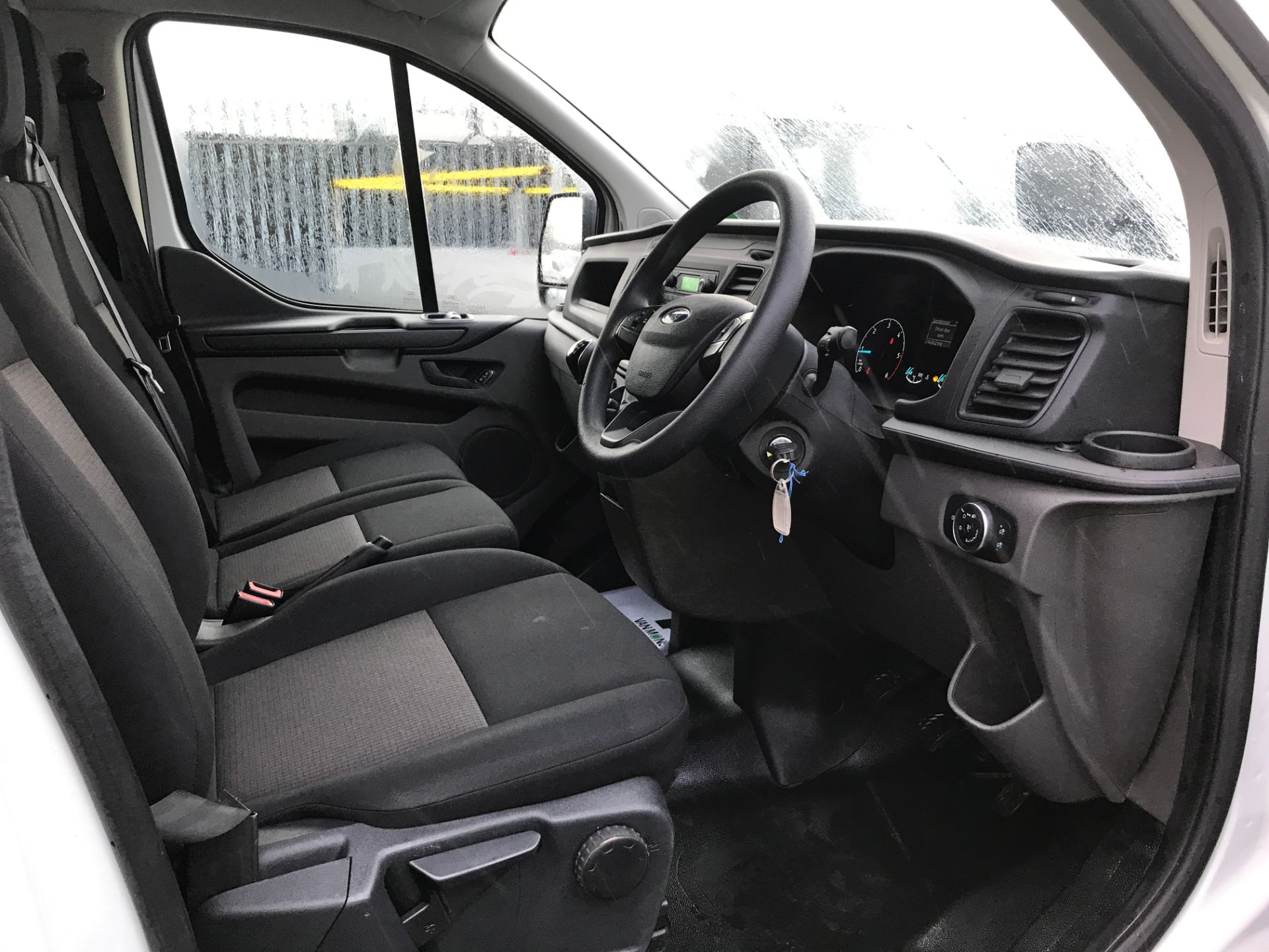 2018 Ford Transit Custom 300 L1 2.0TDCI 105PS LOW ROOF EURO 6 (FP18AZT) Image 3