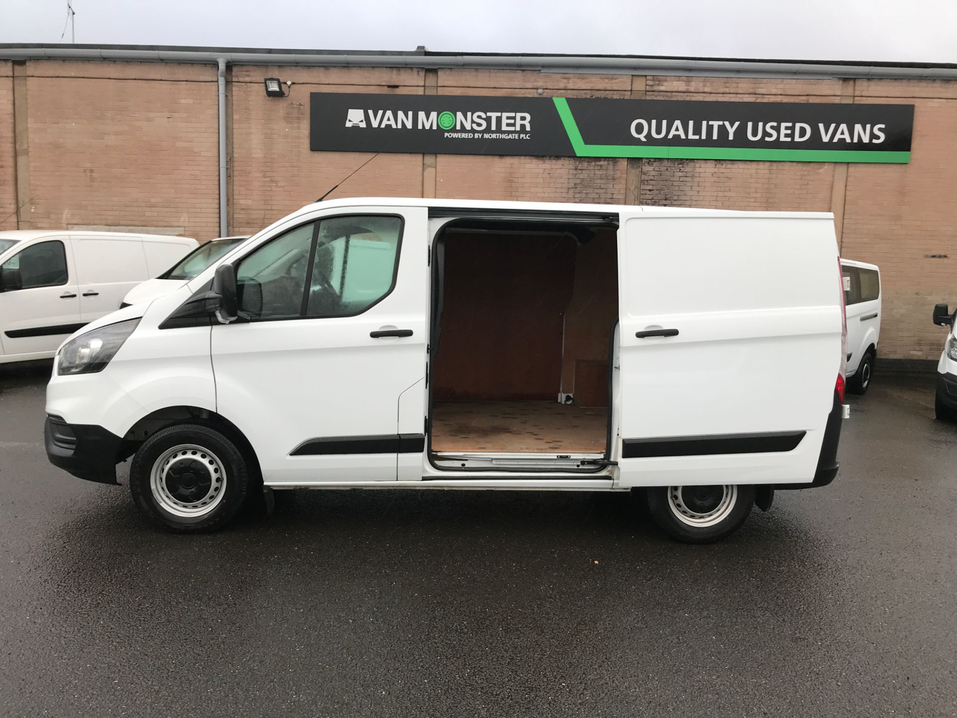 2018 Ford Transit Custom 300 L1 2.0TDCI 105PS LOW ROOF EURO 6 (FP18AZT) Image 11
