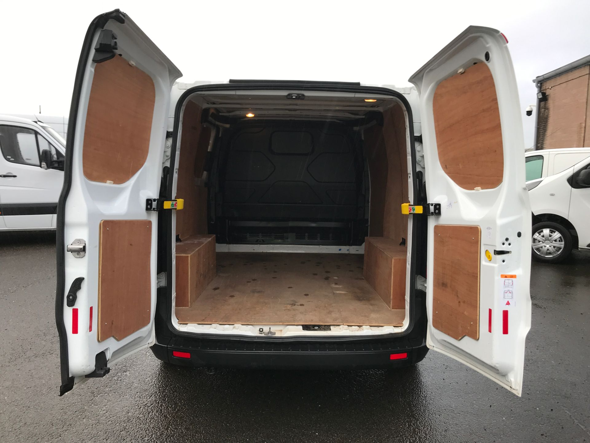 2018 Ford Transit Custom 300 L1 2.0TDCI 105PS LOW ROOF EURO 6 (FP18AZT) Image 7