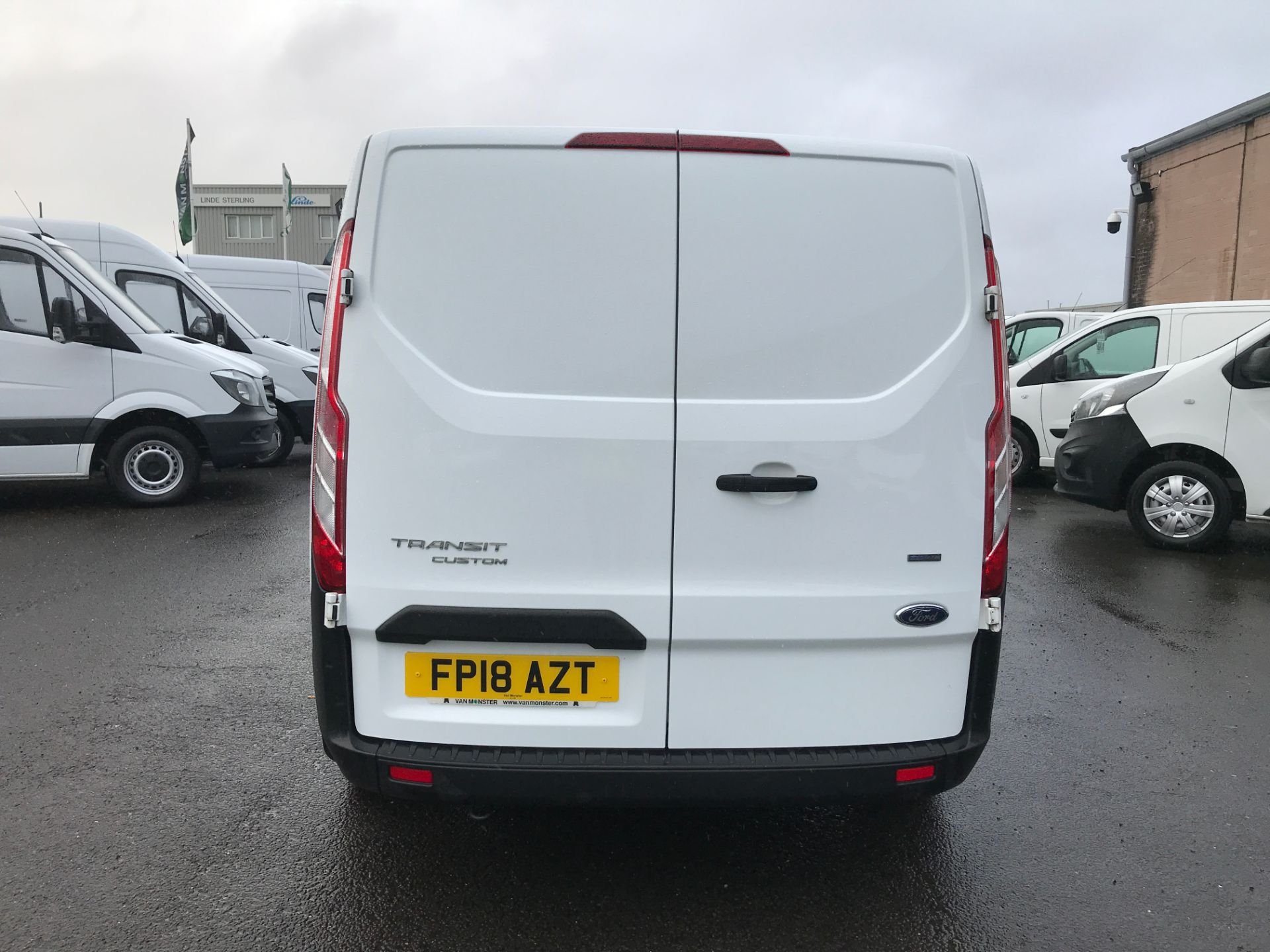 2018 Ford Transit Custom 300 L1 2.0TDCI 105PS LOW ROOF EURO 6 (FP18AZT) Image 6