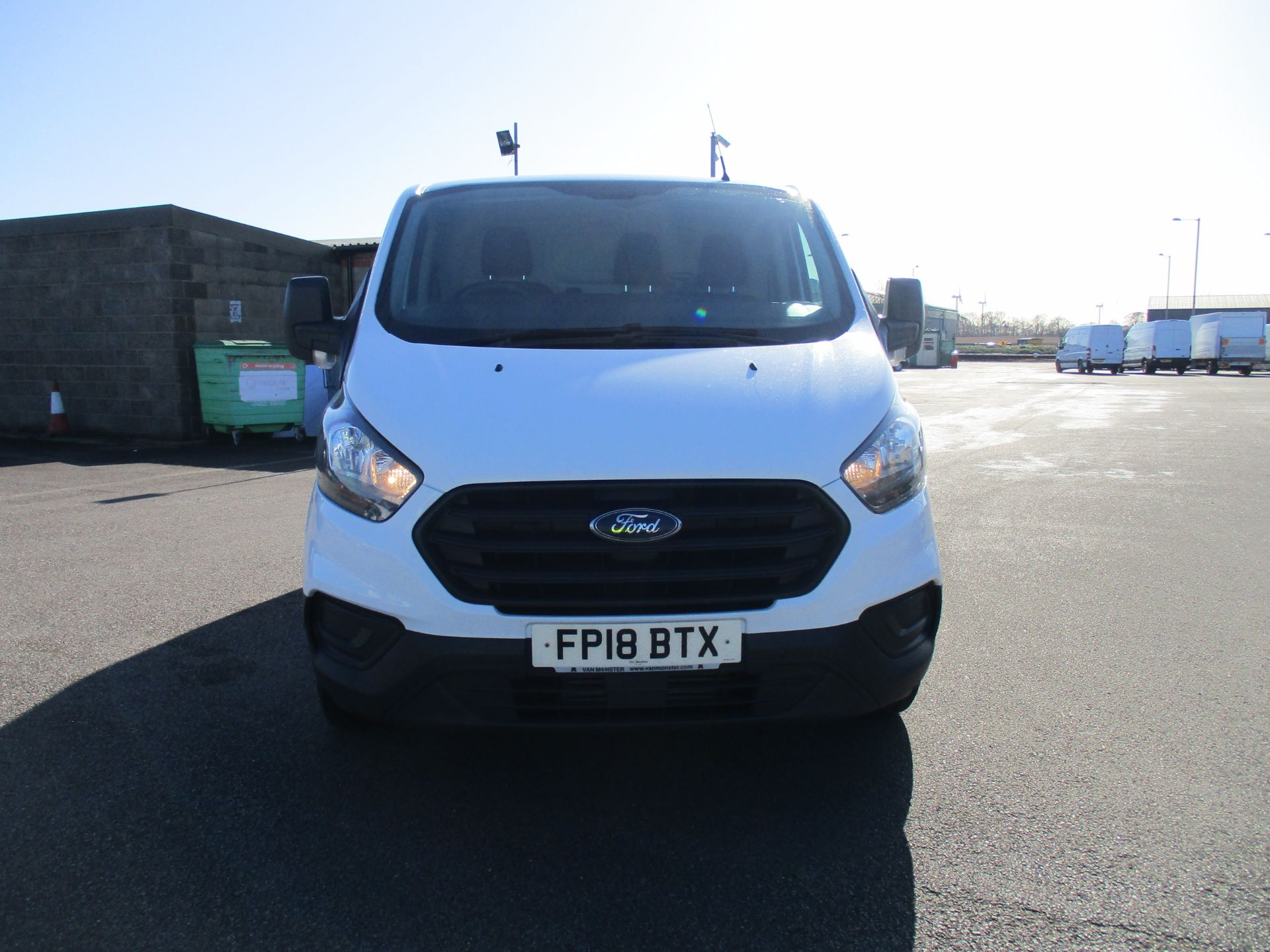 2018 Ford Transit Custom 300 L1 DIESEL FWD 2.0 TDCI 105PS LOW ROOF VAN EURO 6 (FP18BTX) Thumbnail 2