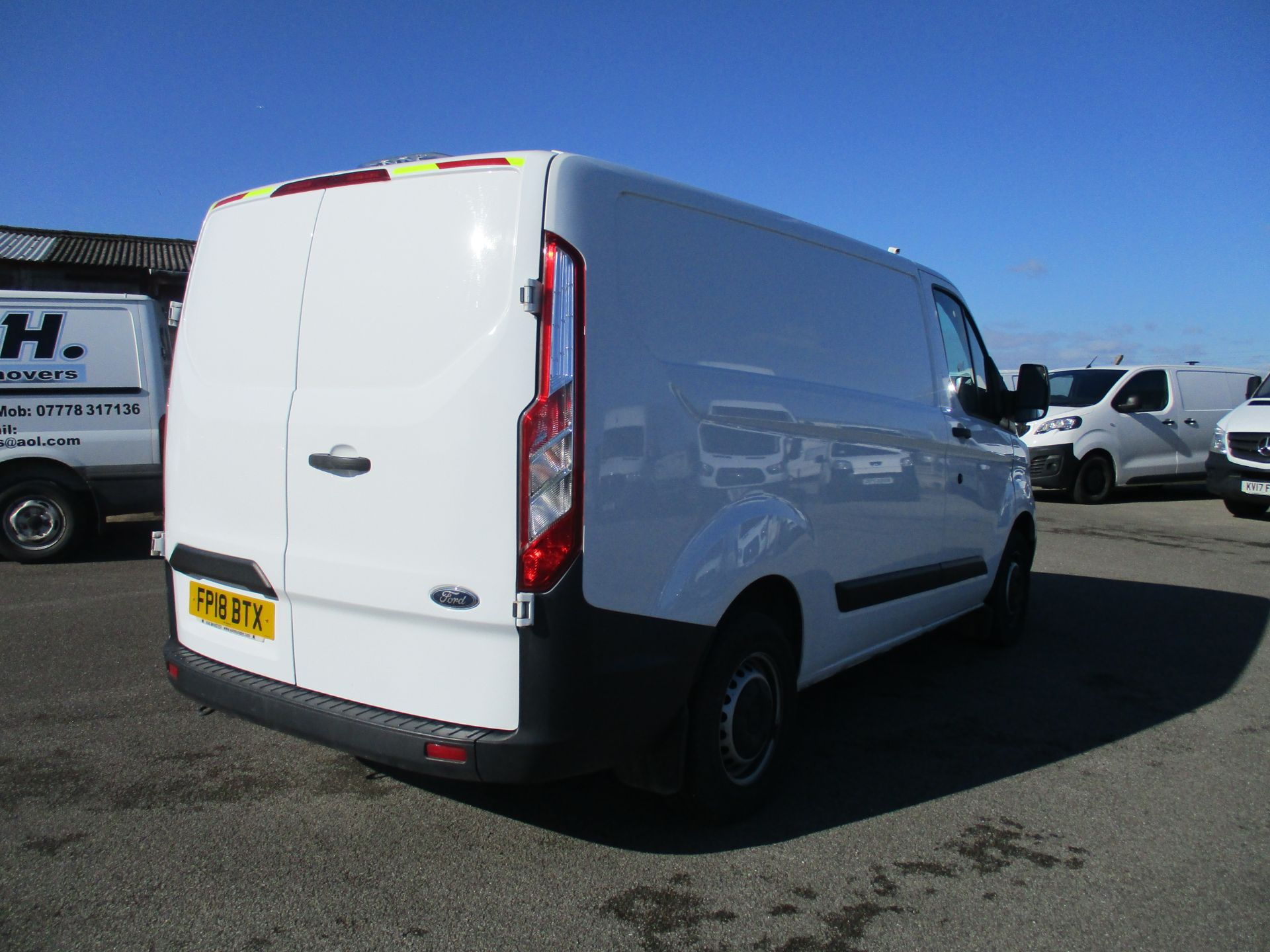 2018 Ford Transit Custom 300 L1 DIESEL FWD 2.0 TDCI 105PS LOW ROOF VAN EURO 6 (FP18BTX) Thumbnail 5