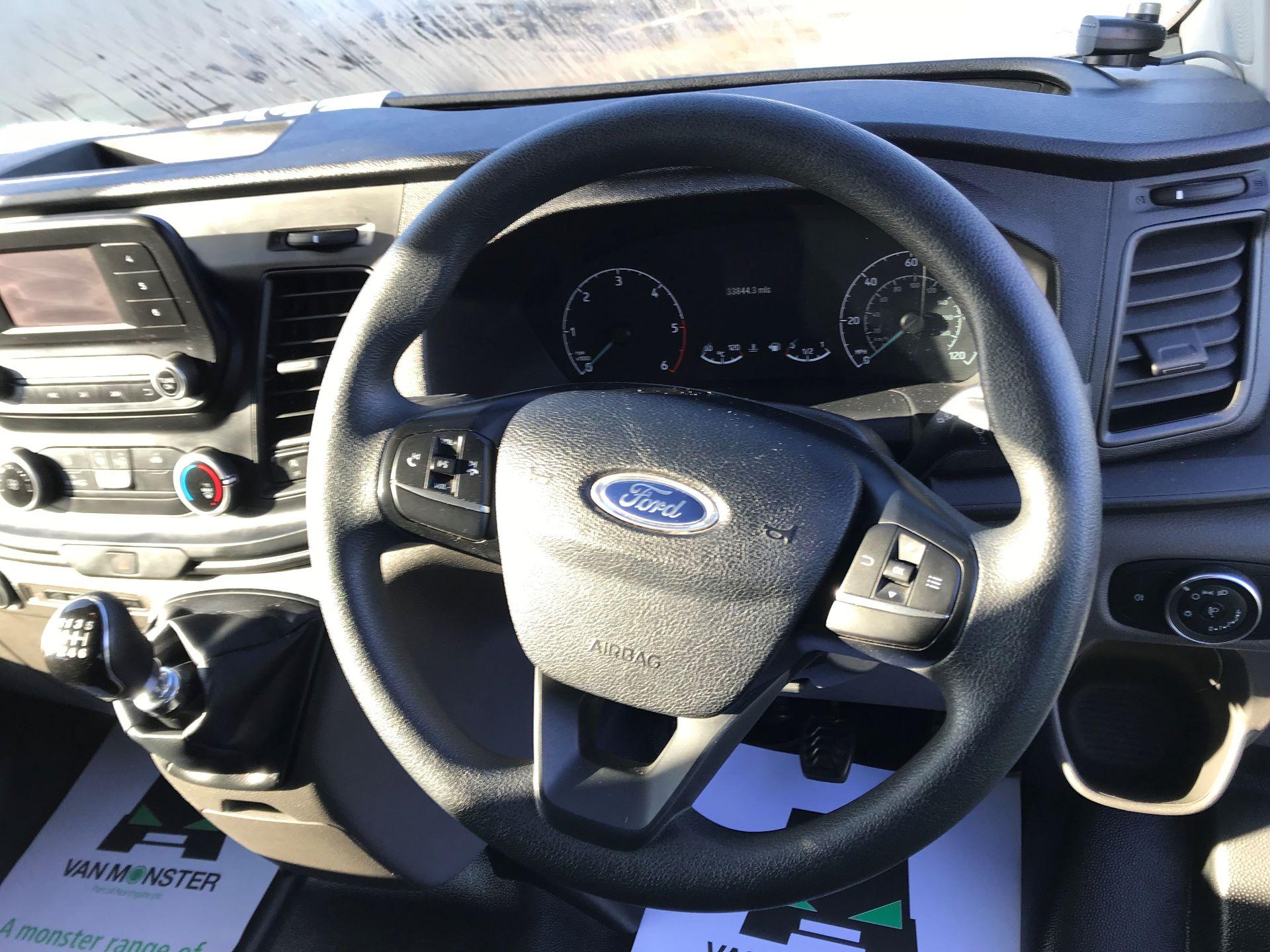 2018 Ford Transit Custom  2.0 TDCI 130PS L/R KOMBI EURO 6 (FP18BUW) Image 22