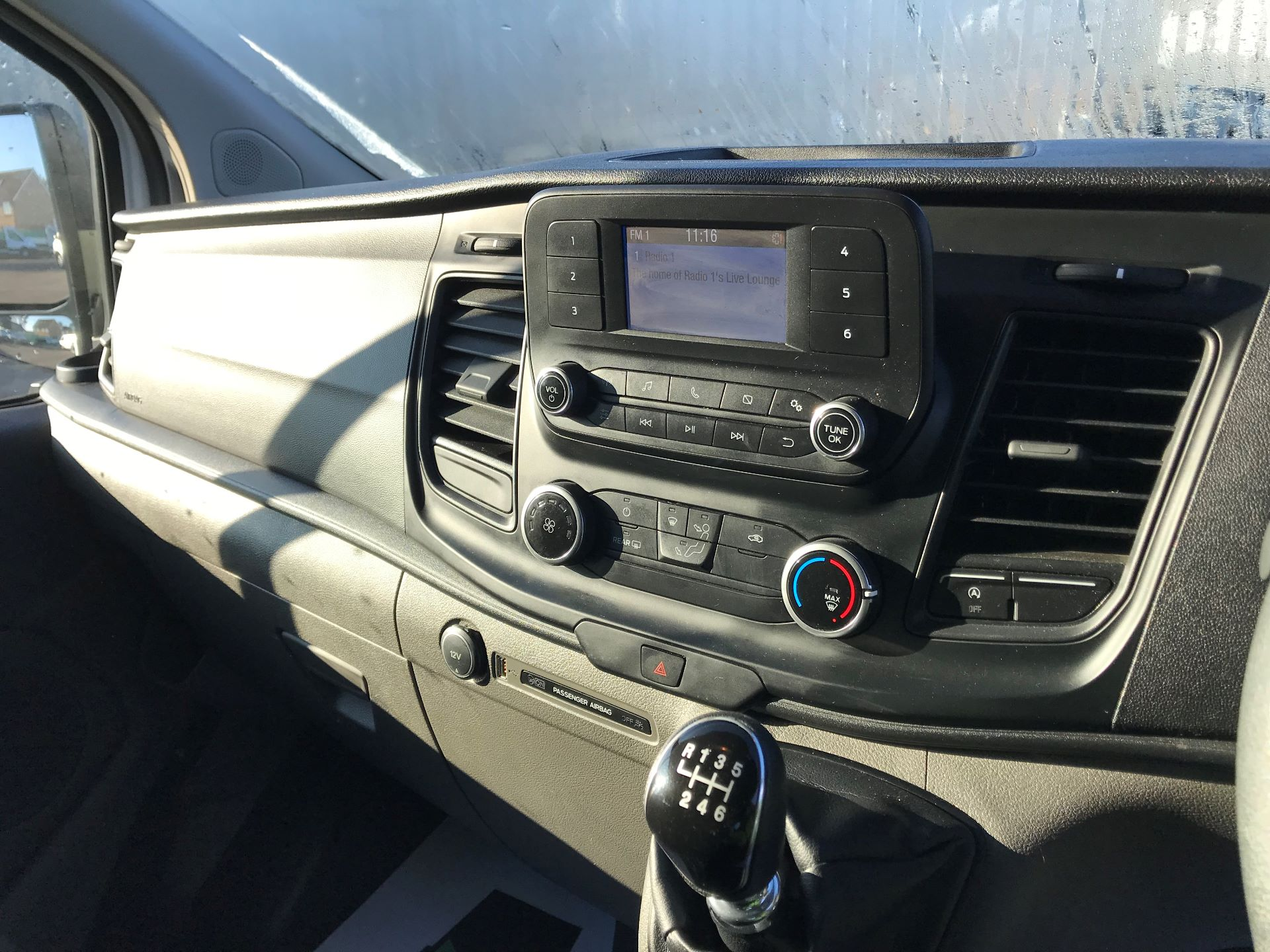 2018 Ford Transit Custom  2.0 TDCI 130PS L/R KOMBI EURO 6 (FP18BUW) Image 24