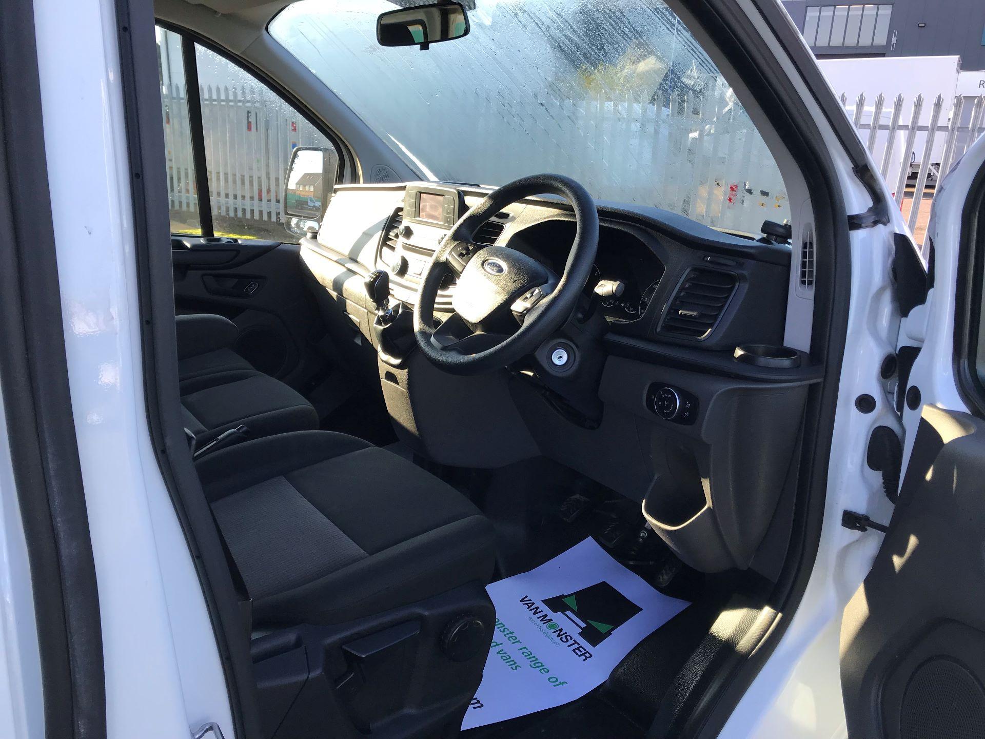 2018 Ford Transit Custom  2.0 TDCI 130PS L/R KOMBI EURO 6 (FP18BUW) Image 20