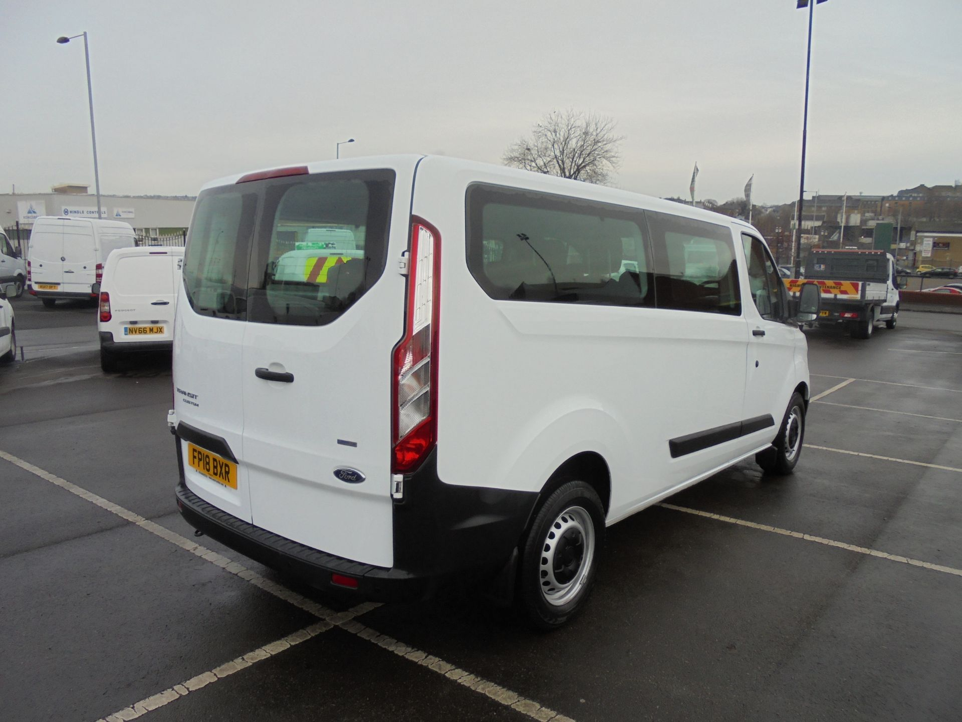 2018 Ford Transit Custom 320 2.0 Tdci 130Ps L2 H1 Low Roof Base 9 Seater Van  (FP18BXR) Image 7