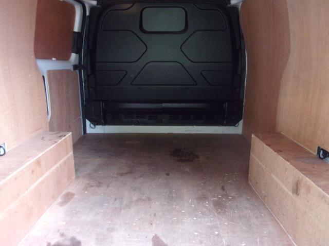 2018 Ford Transit Custom 300 L1 DIESEL FWD 2.0 TDCI 105PS LOW ROOF EURO 6 (FP18CKJ) Image 18