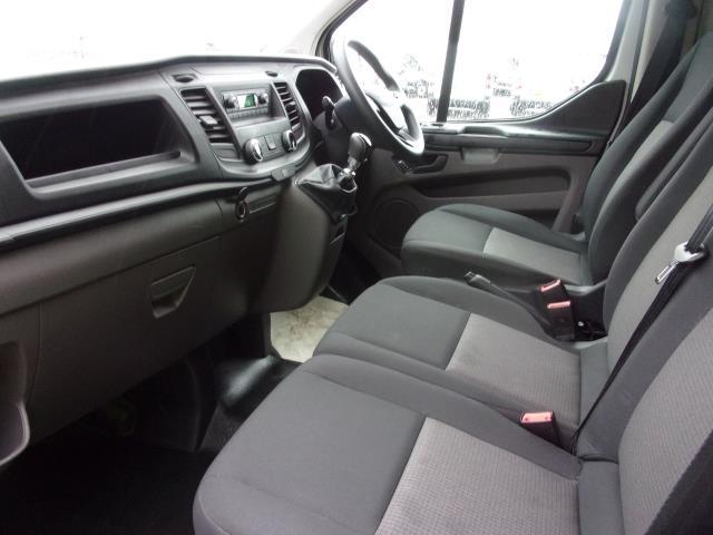 2018 Ford Transit Custom 300 L1 DIESEL FWD 2.0 TDCI 105PS LOW ROOF EURO 6 (FP18CKJ) Image 13