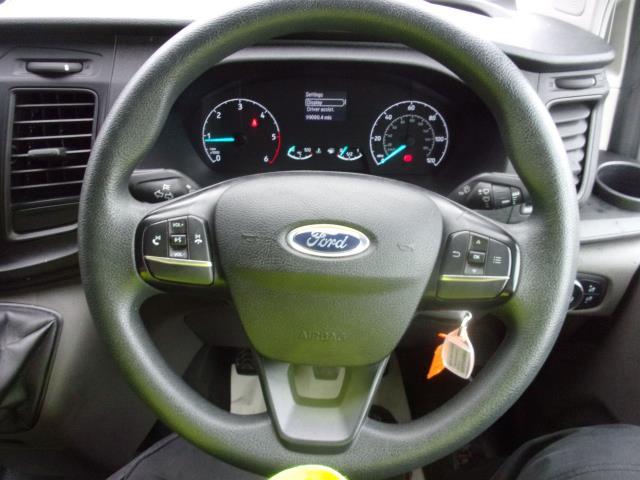 2018 Ford Transit Custom 300 L1 DIESEL FWD 2.0 TDCI 105PS LOW ROOF EURO 6 (FP18CKJ) Image 5