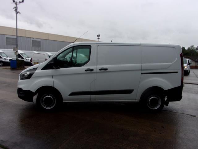 2018 Ford Transit Custom 300 L1 DIESEL FWD 2.0 TDCI 105PS LOW ROOF EURO 6 (FP18CKJ) Image 12