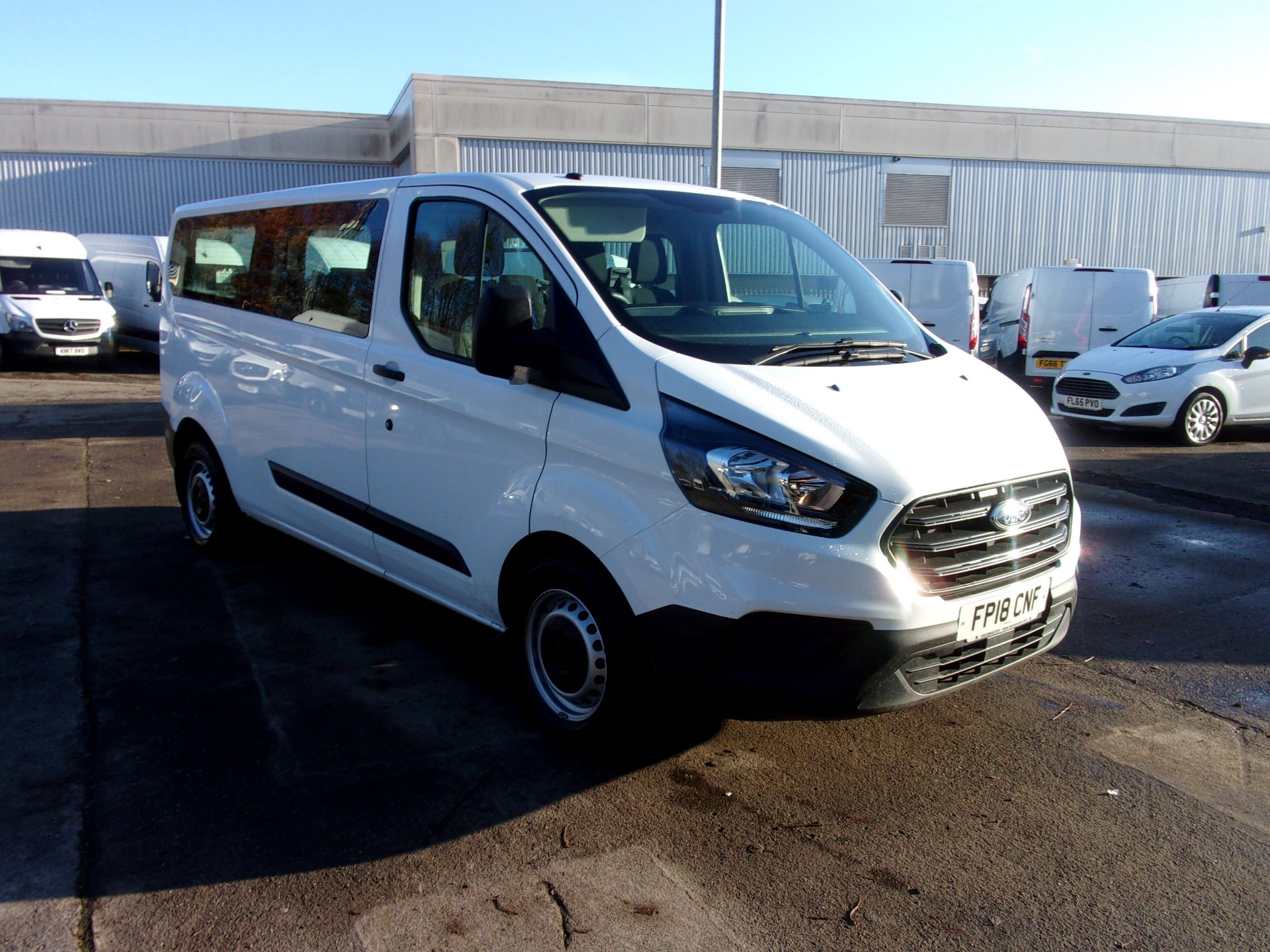 2018 Ford Transit Custom 320 L2 DIESEL FWD 2.0 TDCI 130PS LOW ROOF KOMBI EURO 6 (FP18CNF)